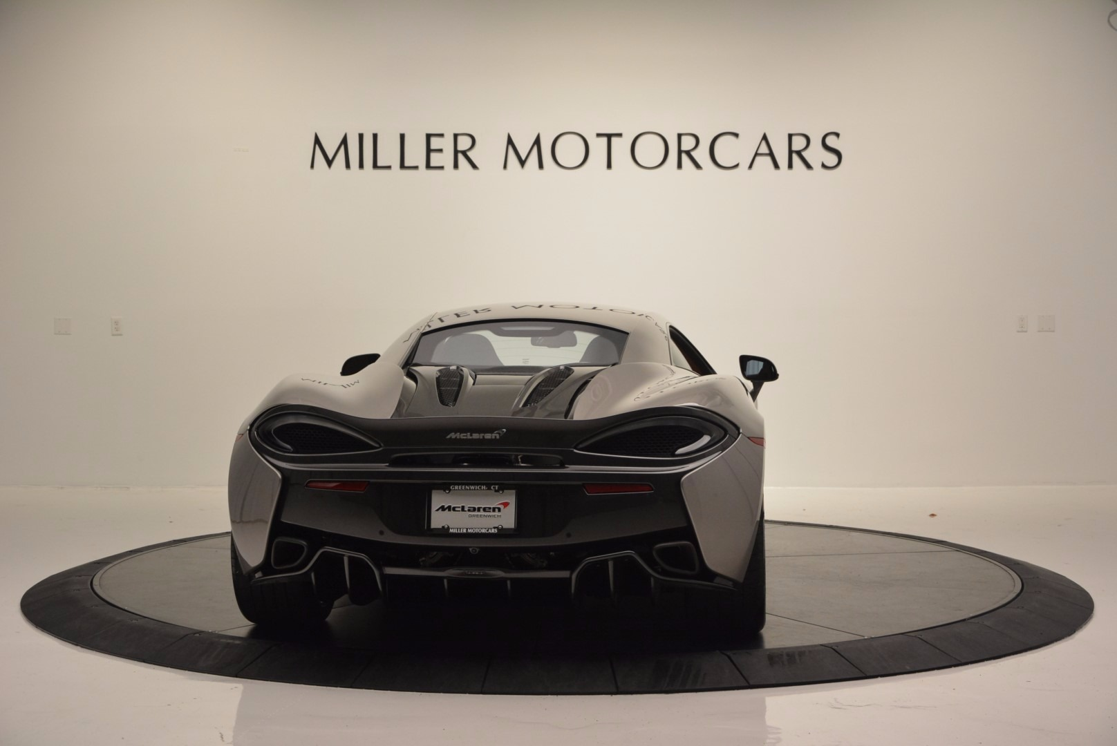 Used 2016 McLaren 570S  For Sale In Greenwich, CT. Alfa Romeo of Greenwich, MC261A 1267_p6