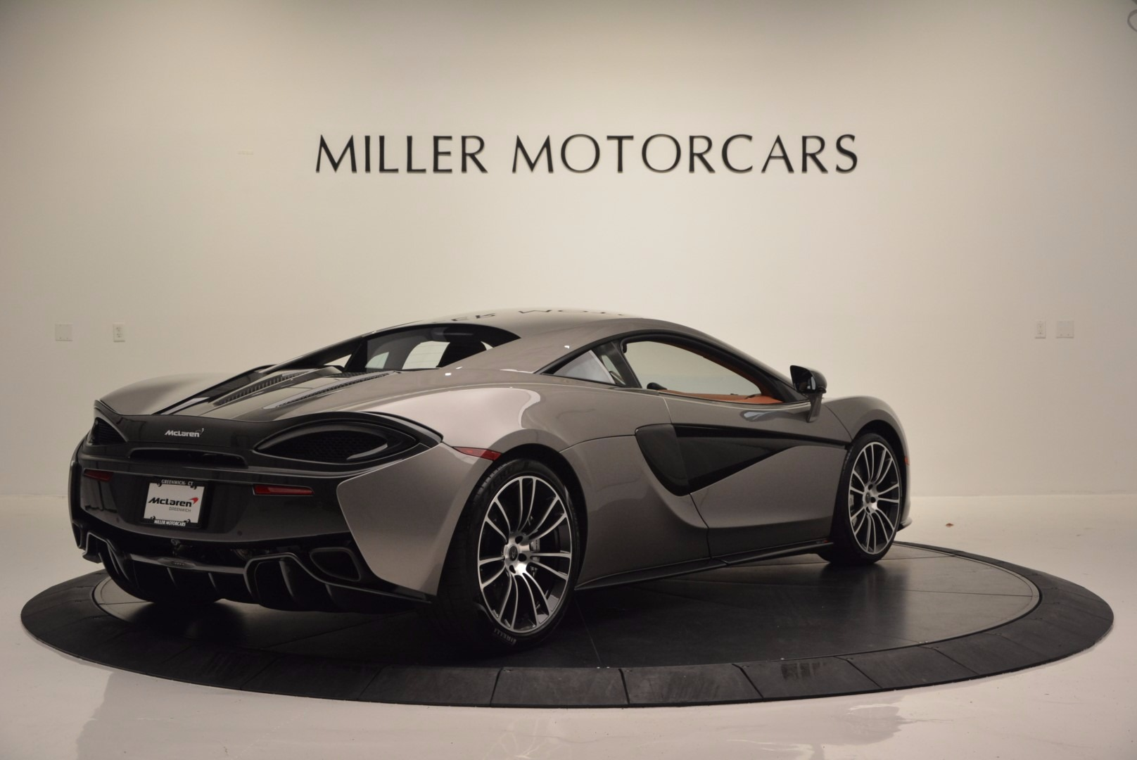Used 2016 McLaren 570S  For Sale In Greenwich, CT. Alfa Romeo of Greenwich, MC261A 1267_p7