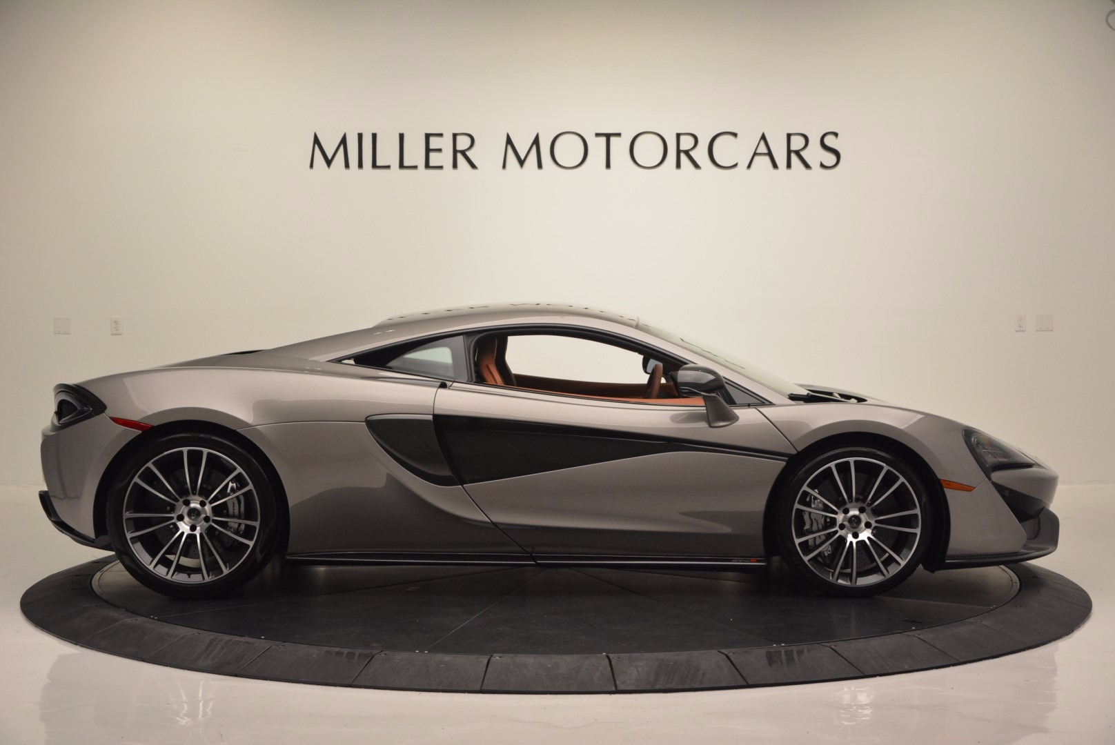 Used 2016 McLaren 570S  For Sale In Greenwich, CT. Alfa Romeo of Greenwich, MC261A 1267_p9