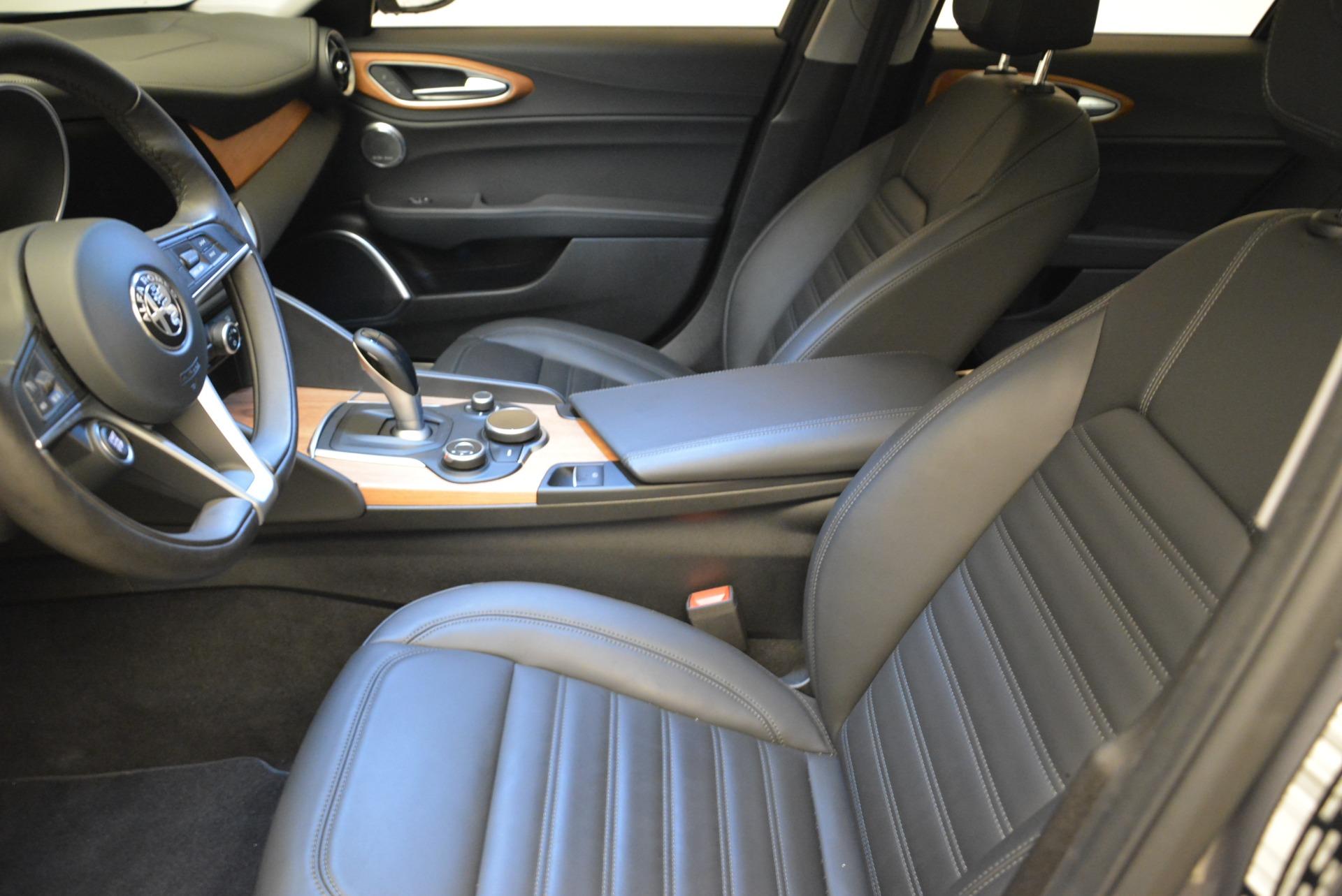 New 2017 Alfa Romeo Giulia Ti Lusso Q4 For Sale In Greenwich, CT. Alfa Romeo of Greenwich, LW014 1270_p14