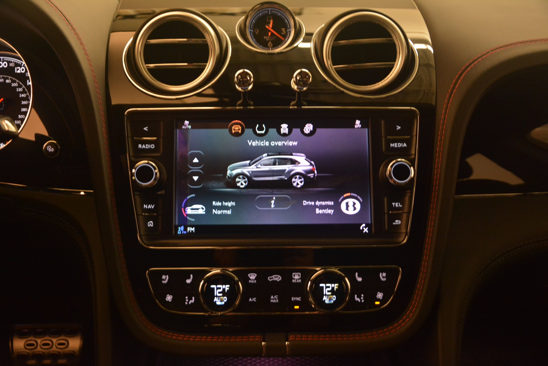 New 2018 Bentley Bentayga Black Edition For Sale In Greenwich, CT. Alfa Romeo of Greenwich, B1263 1287_p38