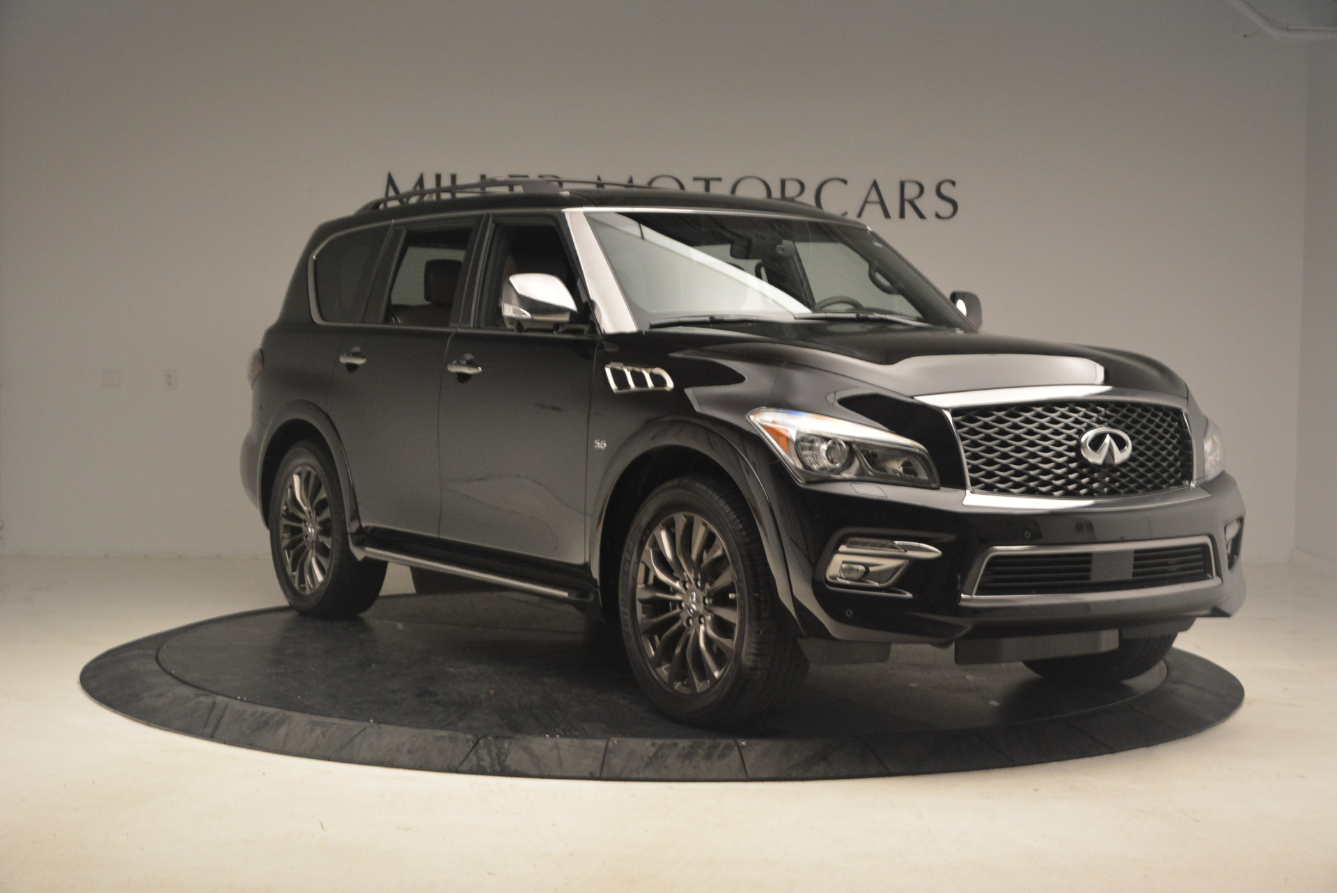 Used 2015 INFINITI QX80 Limited 4WD For Sale In Greenwich, CT. Alfa Romeo of Greenwich, M1726A 1289_p11