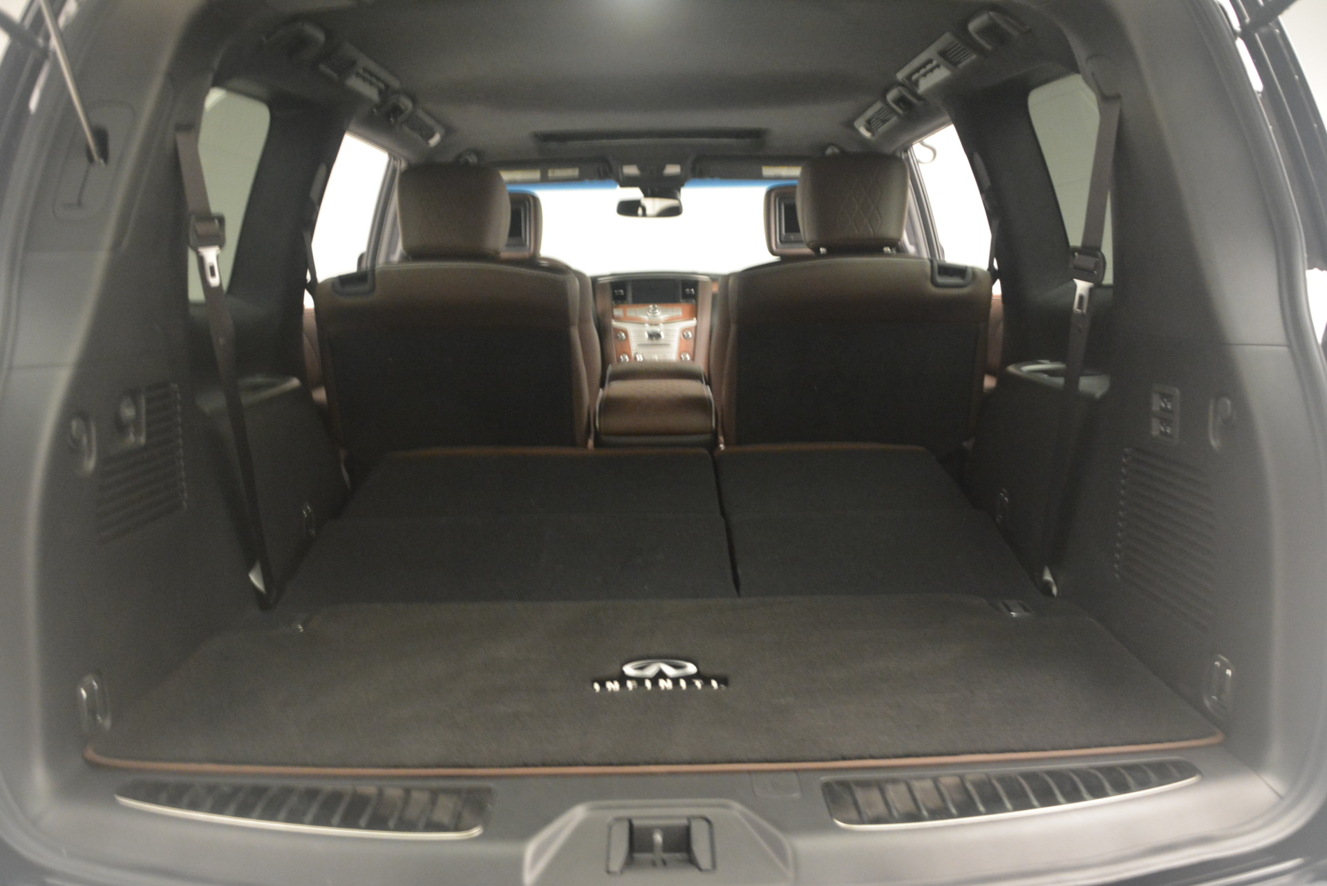 Used 2015 INFINITI QX80 Limited 4WD For Sale In Greenwich, CT. Alfa Romeo of Greenwich, M1726A 1289_p22