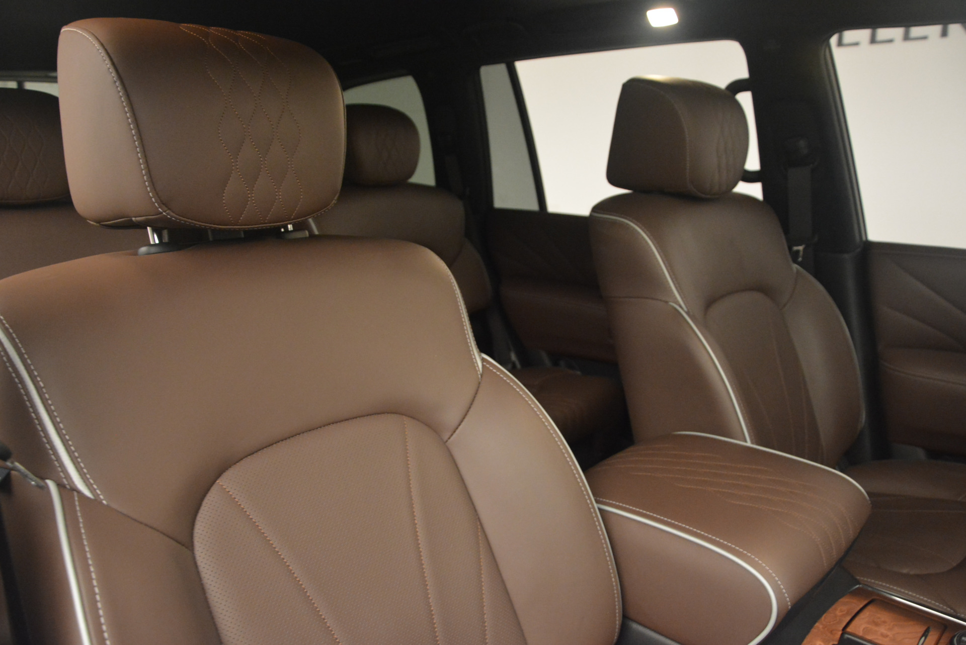 Used 2015 INFINITI QX80 Limited 4WD For Sale In Greenwich, CT. Alfa Romeo of Greenwich, M1726A 1289_p24