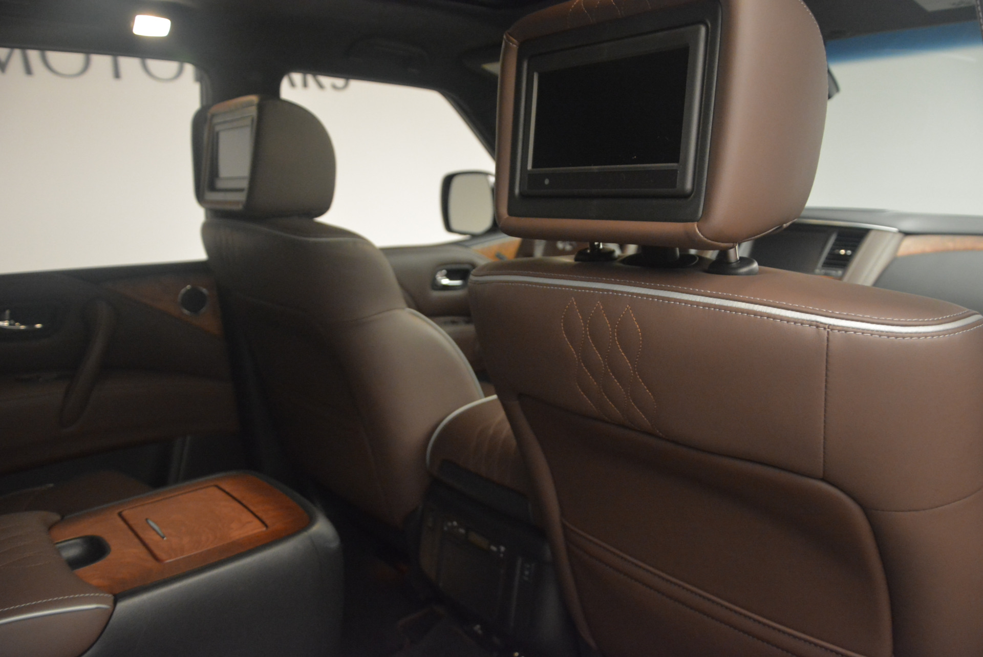 Used 2015 INFINITI QX80 Limited 4WD For Sale In Greenwich, CT. Alfa Romeo of Greenwich, M1726A 1289_p31