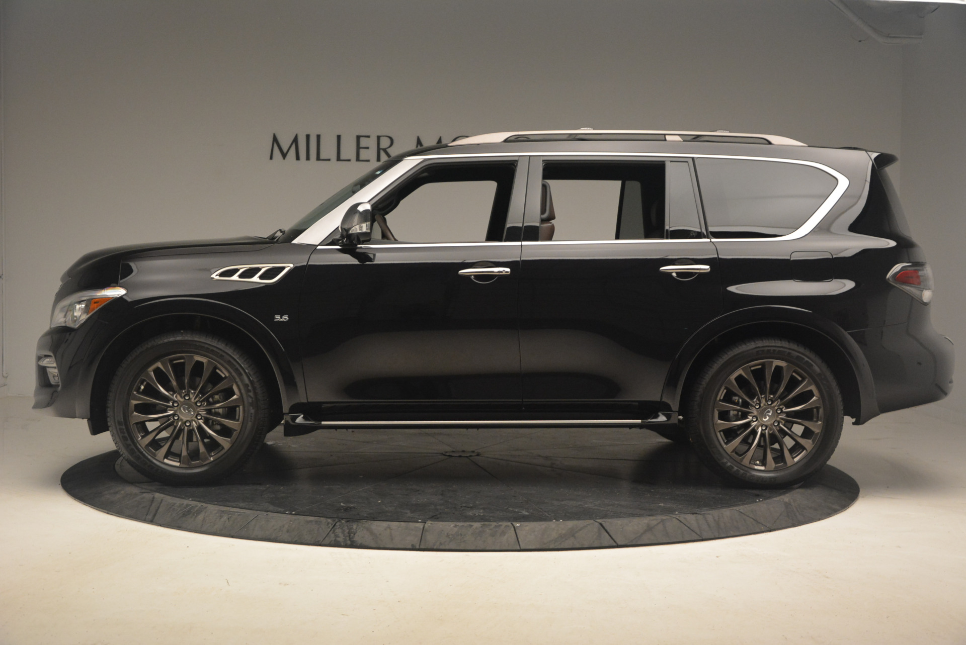Used 2015 INFINITI QX80 Limited 4WD For Sale In Greenwich, CT. Alfa Romeo of Greenwich, M1726A 1289_p3