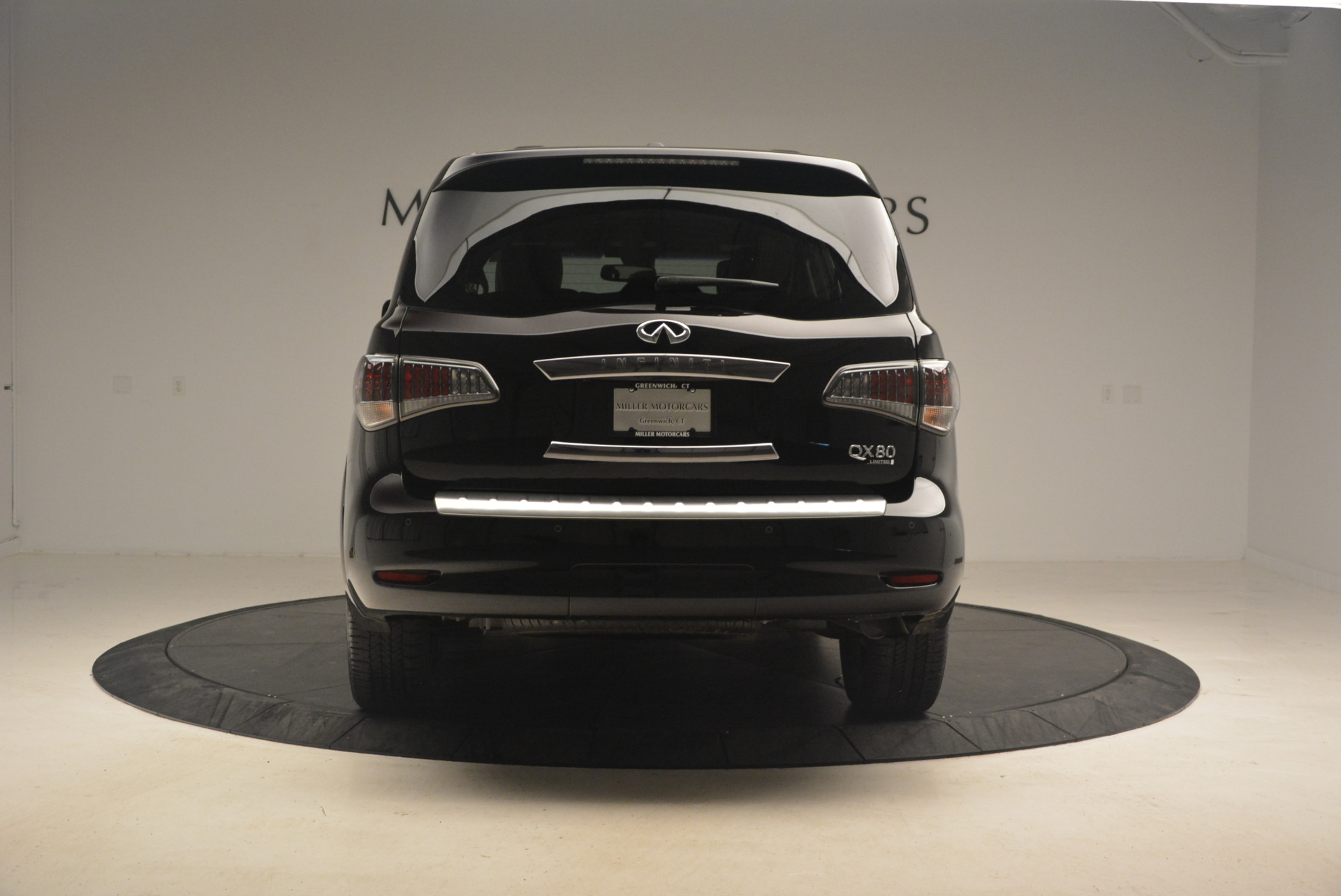 Used 2015 INFINITI QX80 Limited 4WD For Sale In Greenwich, CT. Alfa Romeo of Greenwich, M1726A 1289_p6