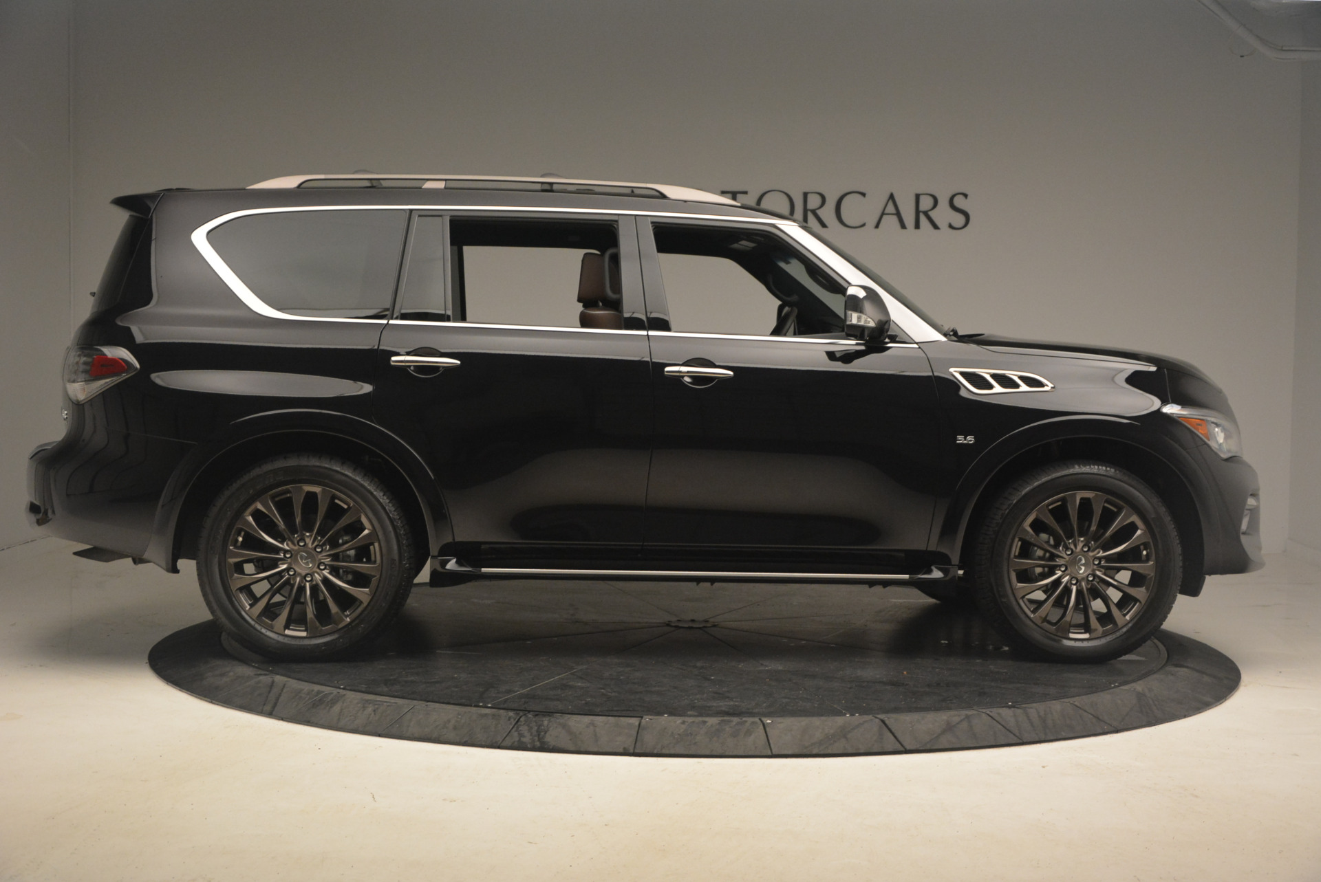Used 2015 INFINITI QX80 Limited 4WD For Sale In Greenwich, CT. Alfa Romeo of Greenwich, M1726A 1289_p9