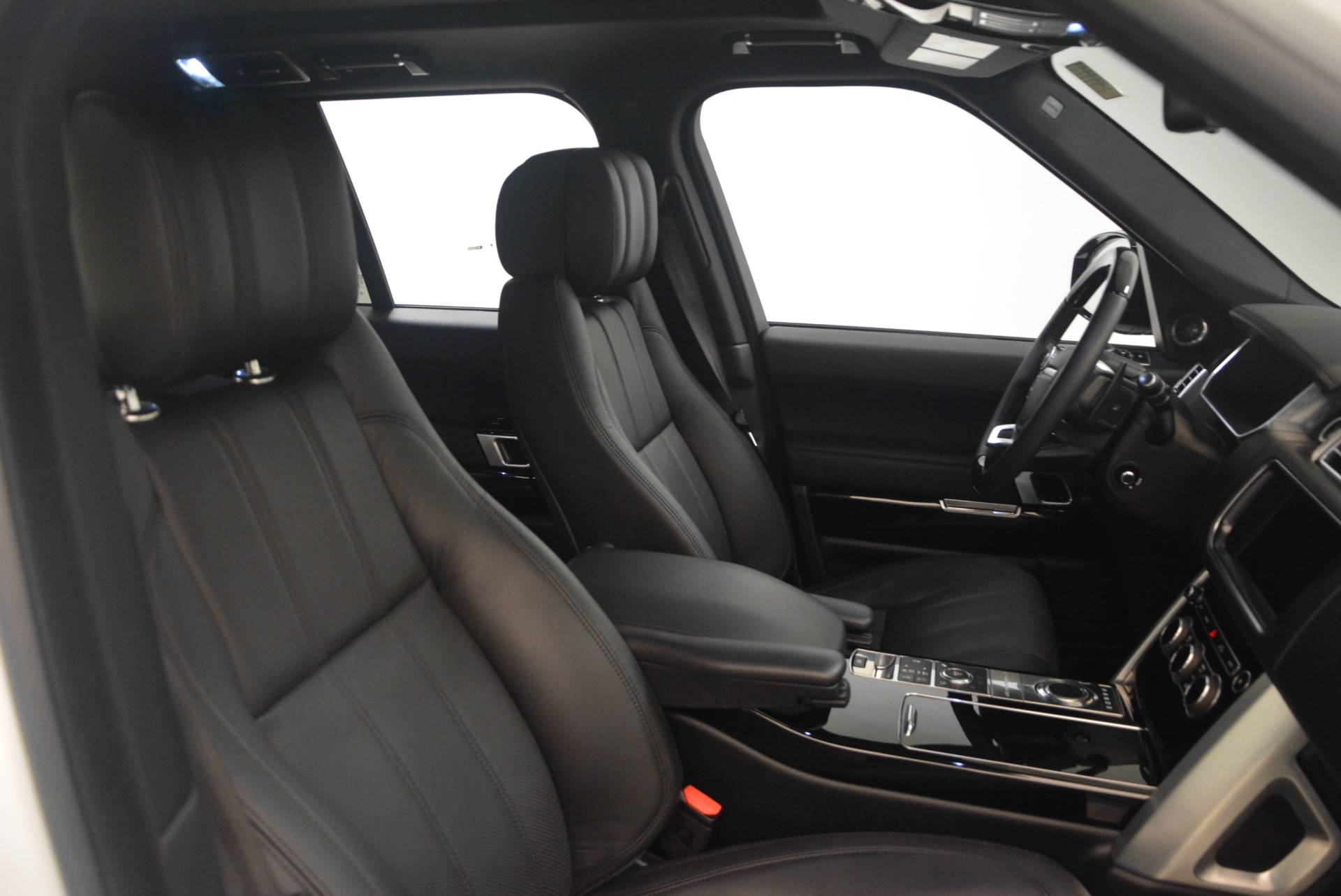 Used 2015 Land Rover Range Rover Supercharged For Sale In Greenwich, CT. Alfa Romeo of Greenwich, B1265A 1292_p30