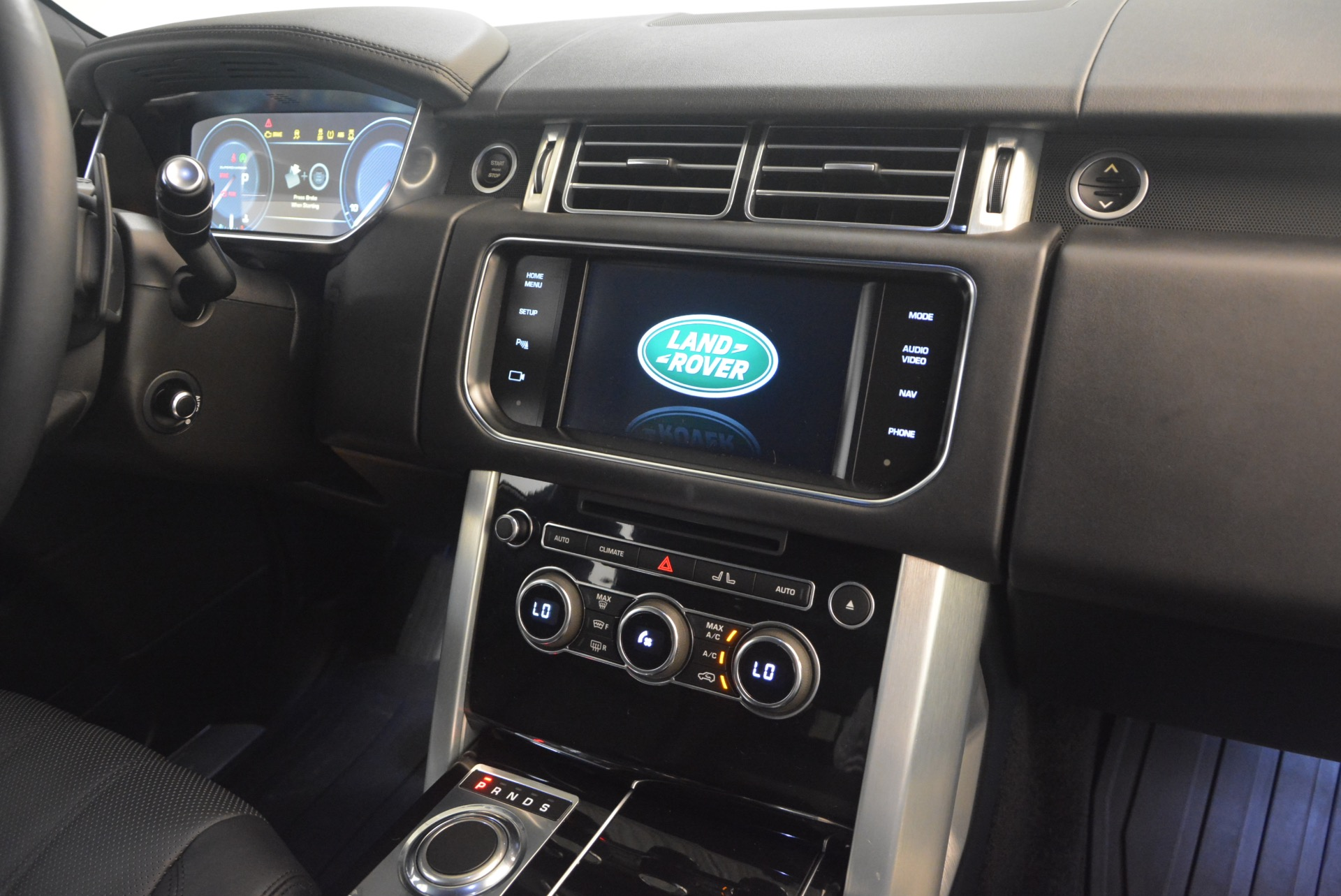 Used 2015 Land Rover Range Rover Supercharged For Sale In Greenwich, CT. Alfa Romeo of Greenwich, B1265A 1292_p32