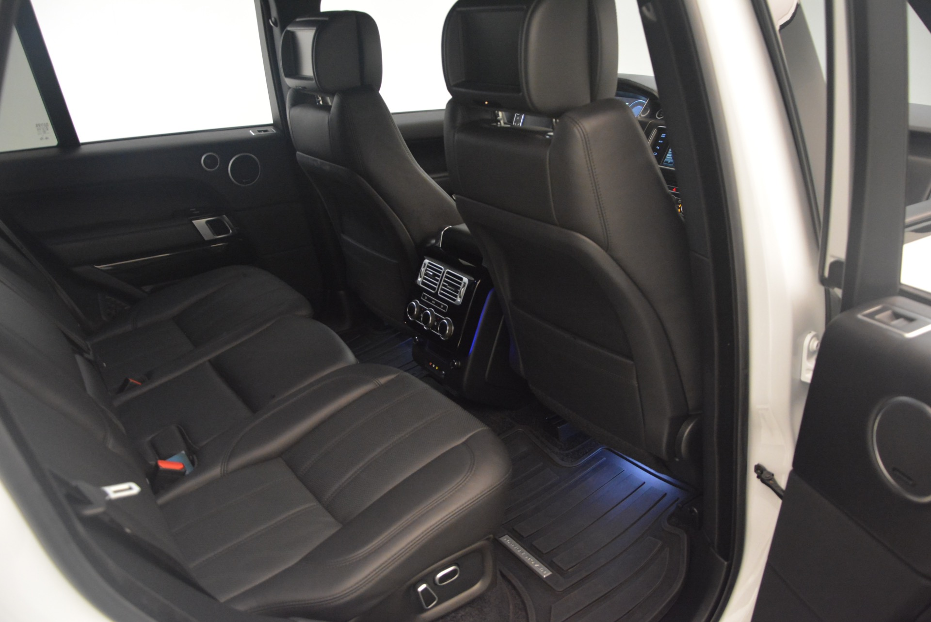 Used 2015 Land Rover Range Rover Supercharged For Sale In Greenwich, CT. Alfa Romeo of Greenwich, B1265A 1292_p35