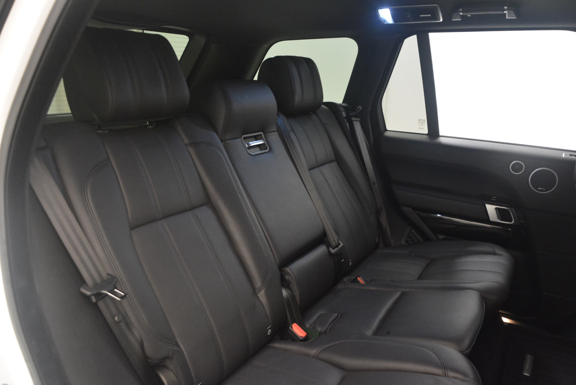 Used 2015 Land Rover Range Rover Supercharged For Sale In Greenwich, CT. Alfa Romeo of Greenwich, B1265A 1292_p36