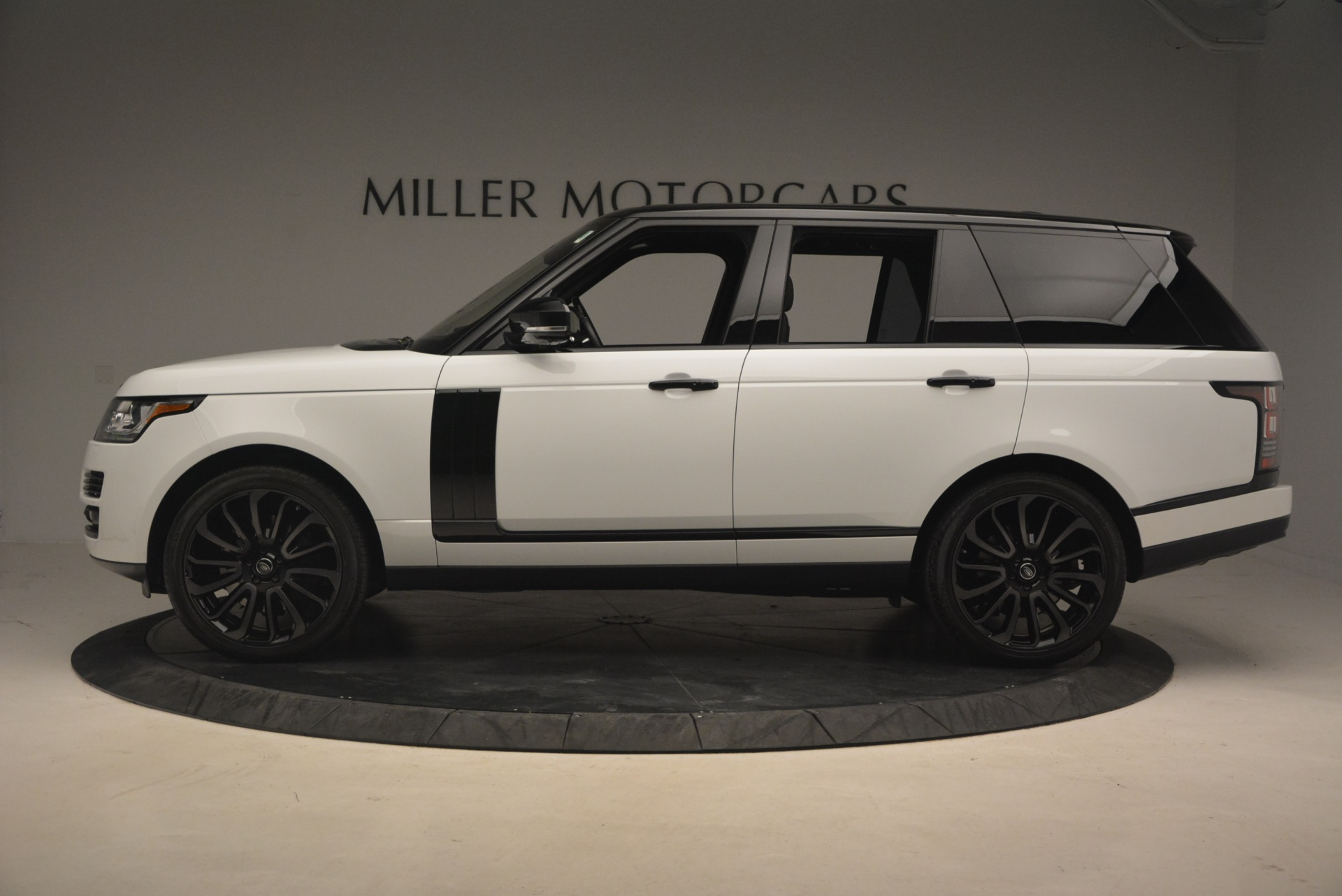 Used 2015 Land Rover Range Rover Supercharged For Sale In Greenwich, CT. Alfa Romeo of Greenwich, B1265A 1292_p3