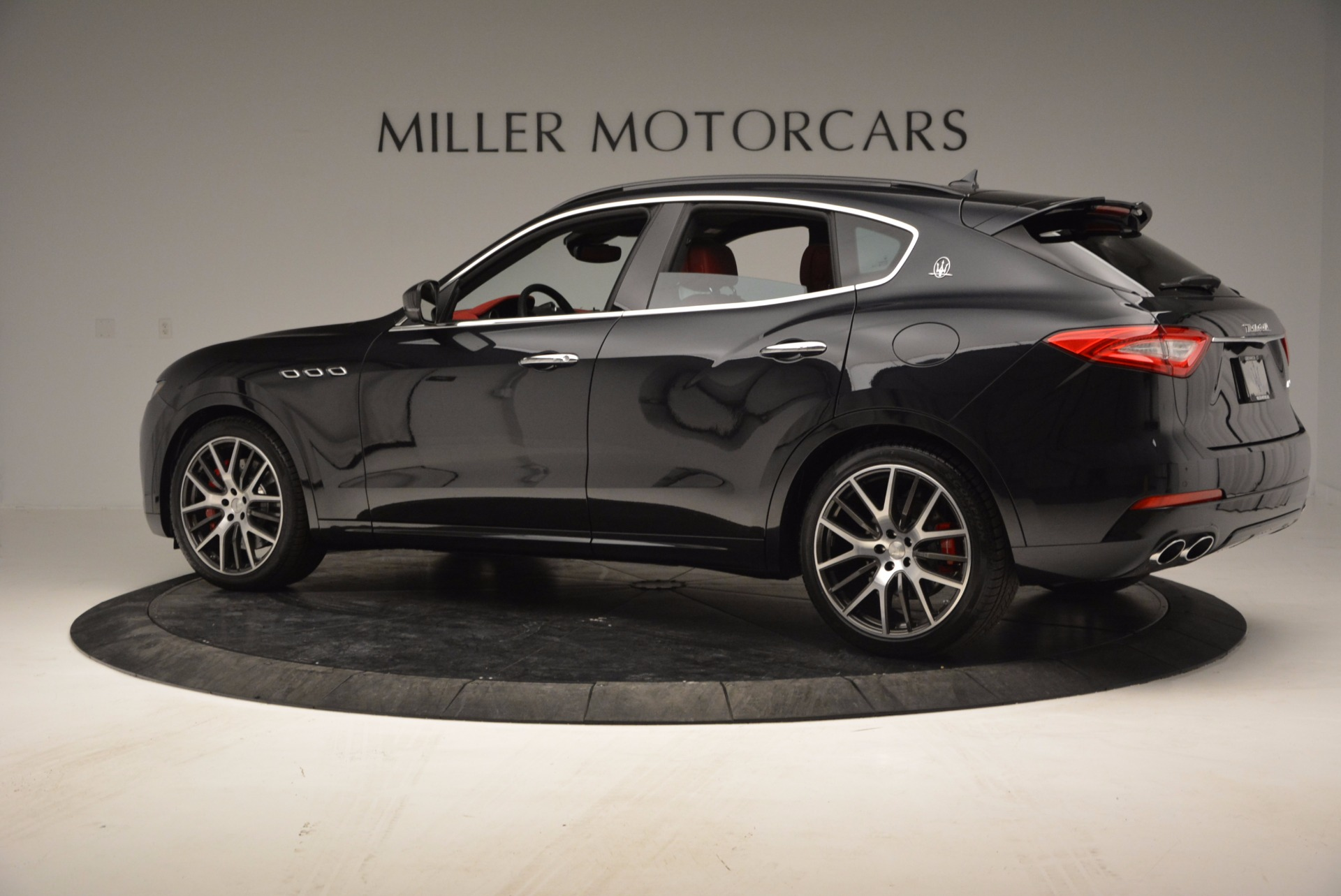 New 2017 Maserati Levante  For Sale In Greenwich, CT. Alfa Romeo of Greenwich, M1886 1301_p4
