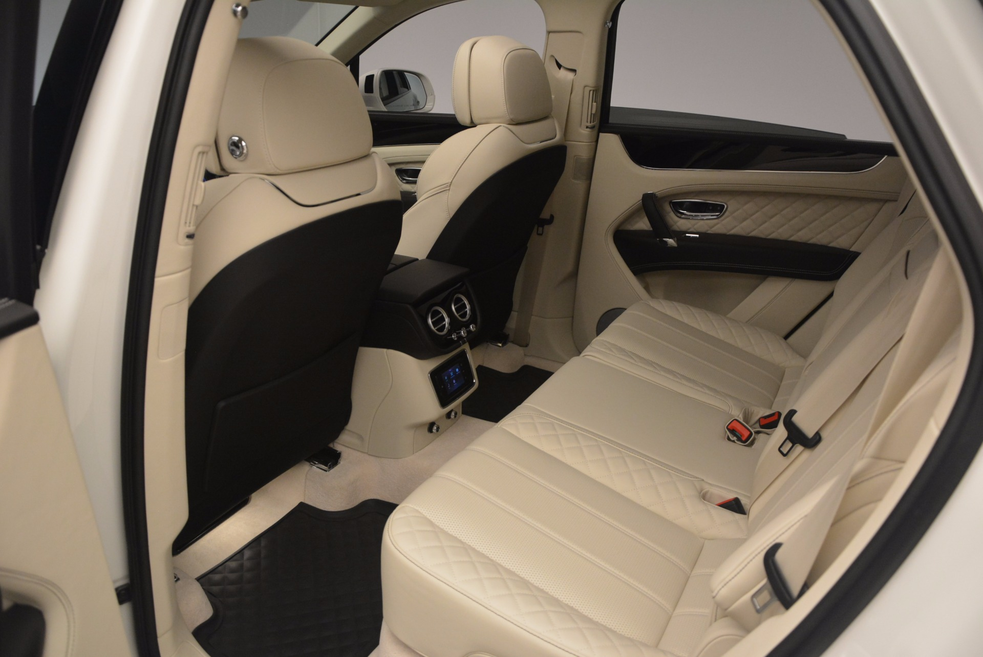 New 2018 Bentley Bentayga Black Edition For Sale In Greenwich, CT. Alfa Romeo of Greenwich, B1270 1302_p36