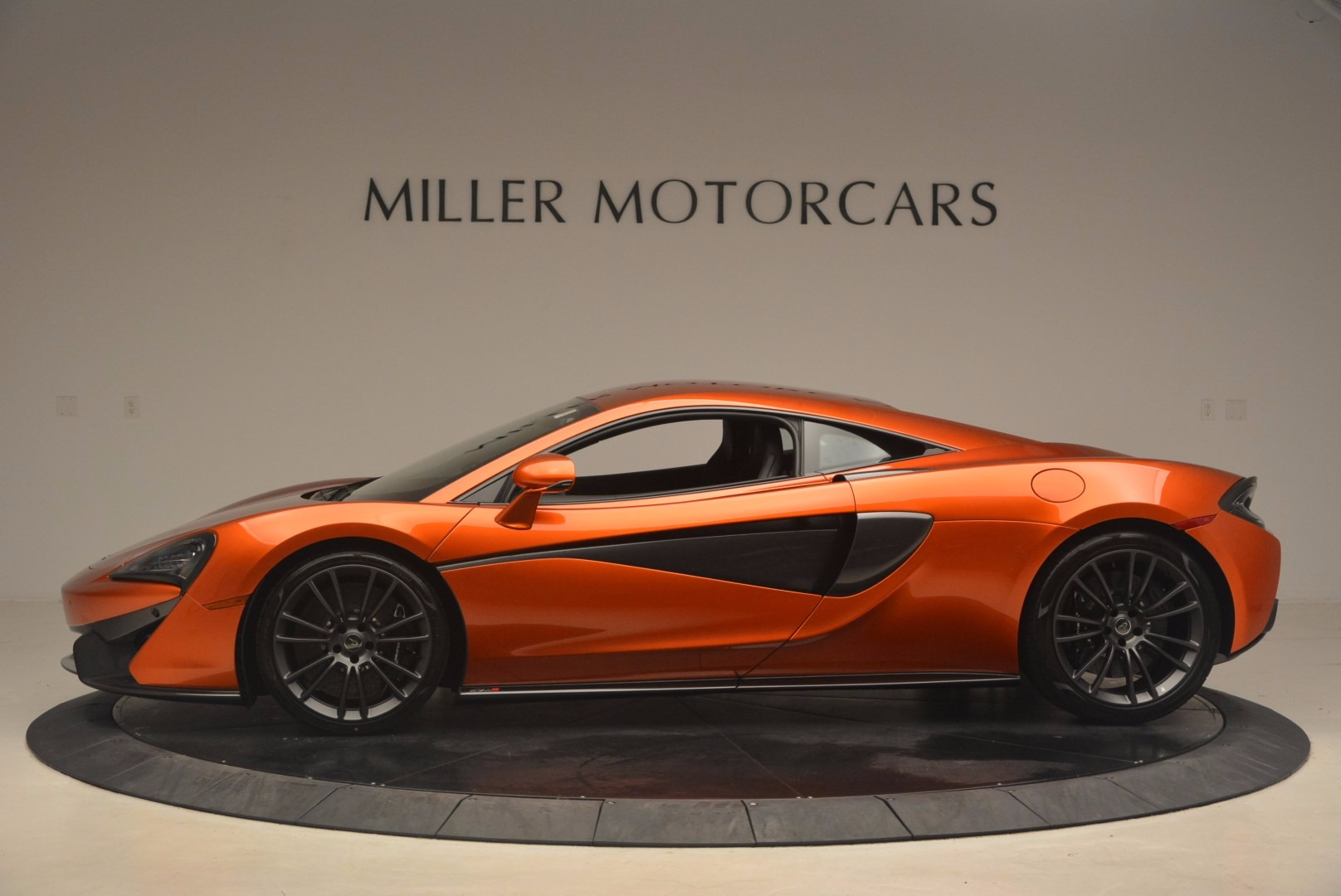 Used 2017 McLaren 570S  For Sale In Greenwich, CT. Alfa Romeo of Greenwich, MC299 1304_p3