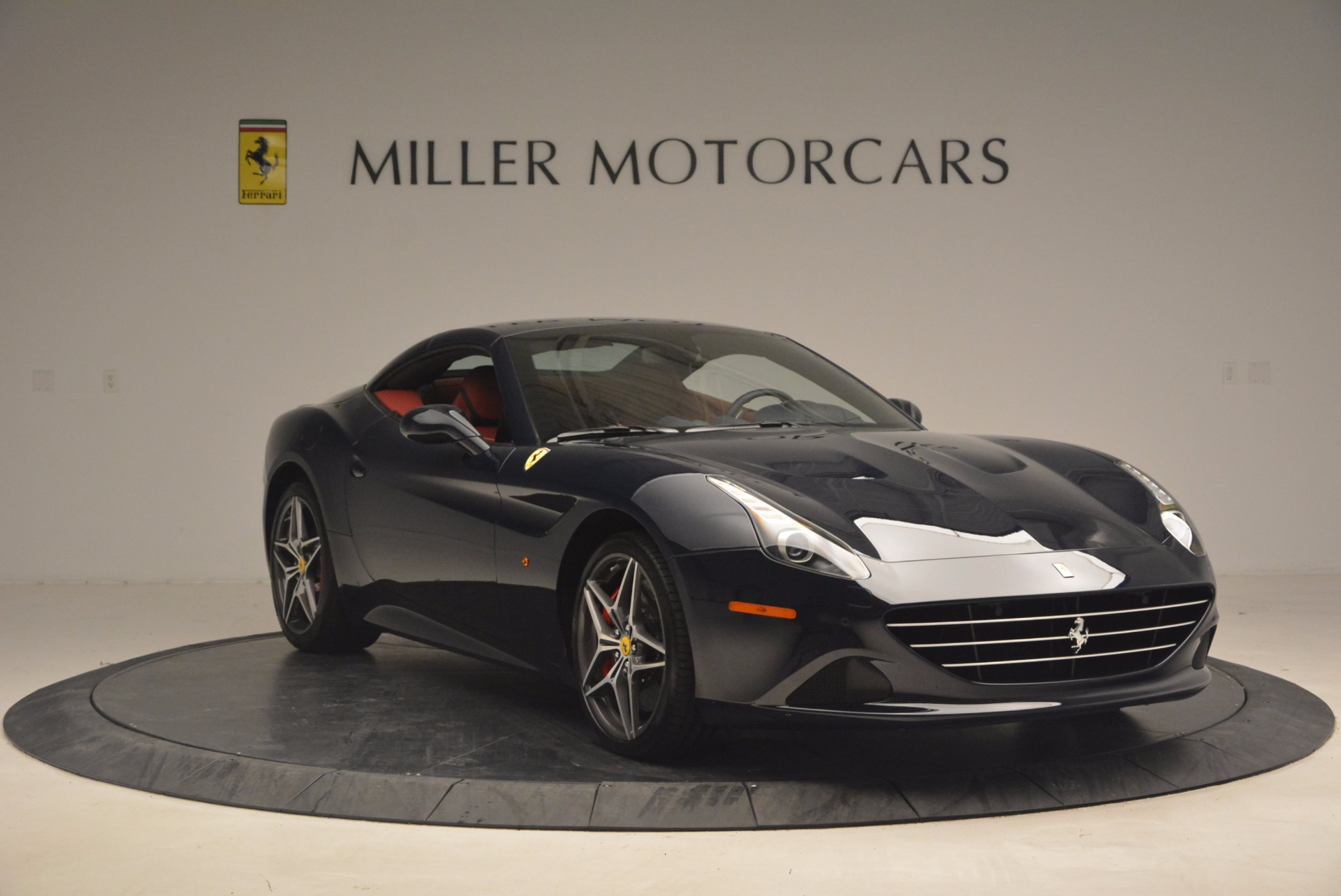 Used 2017 Ferrari California T  For Sale In Greenwich, CT. Alfa Romeo of Greenwich, F1778B 1330_p23