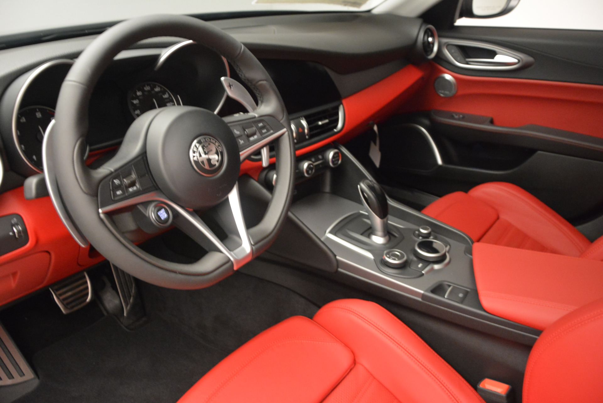 New 2017 Alfa Romeo Giulia Ti Q4 For Sale In Greenwich, CT. Alfa Romeo of Greenwich, L161 1336_p15