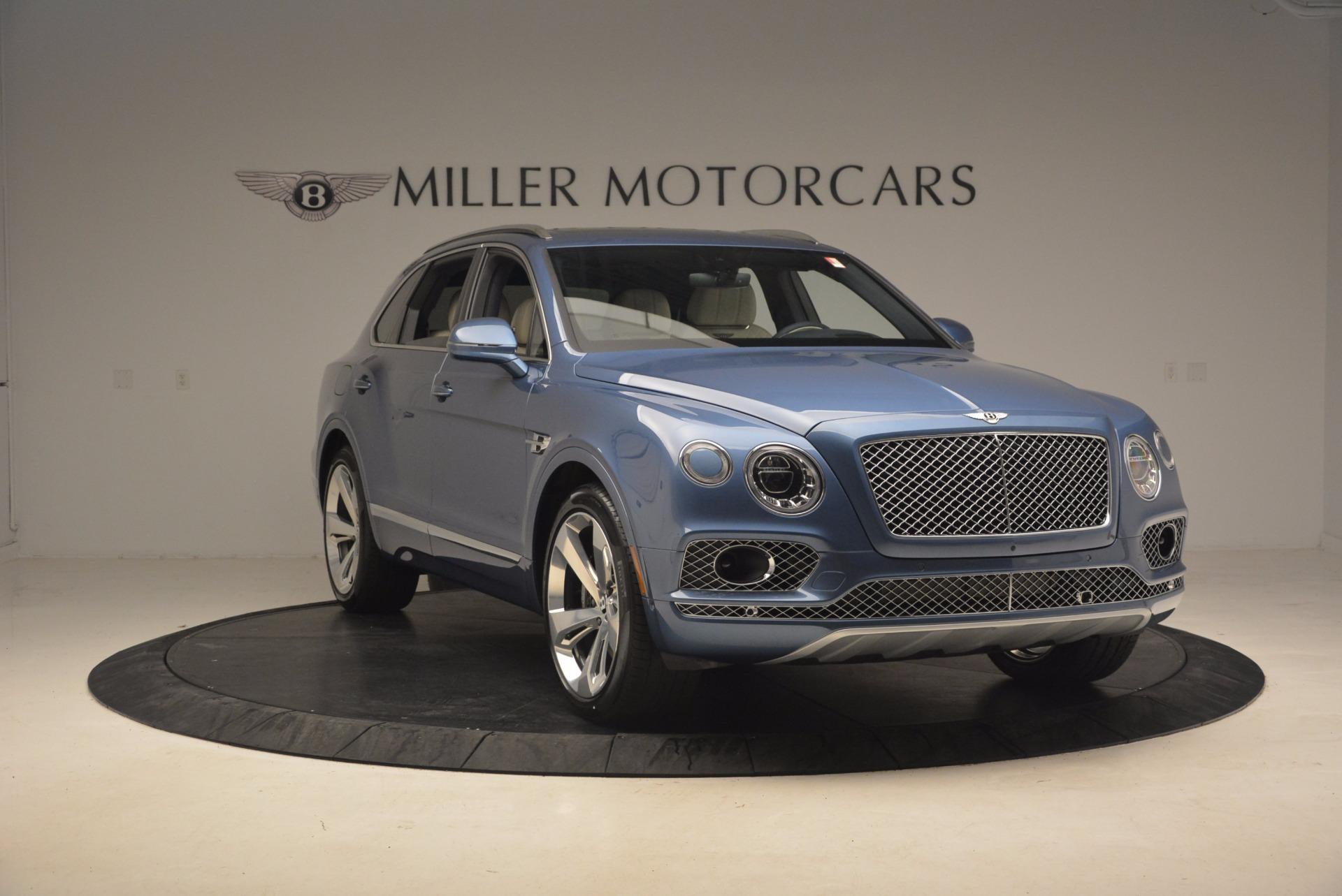 New 2018 Bentley Bentayga  For Sale In Greenwich, CT. Alfa Romeo of Greenwich, B1271 1342_p11