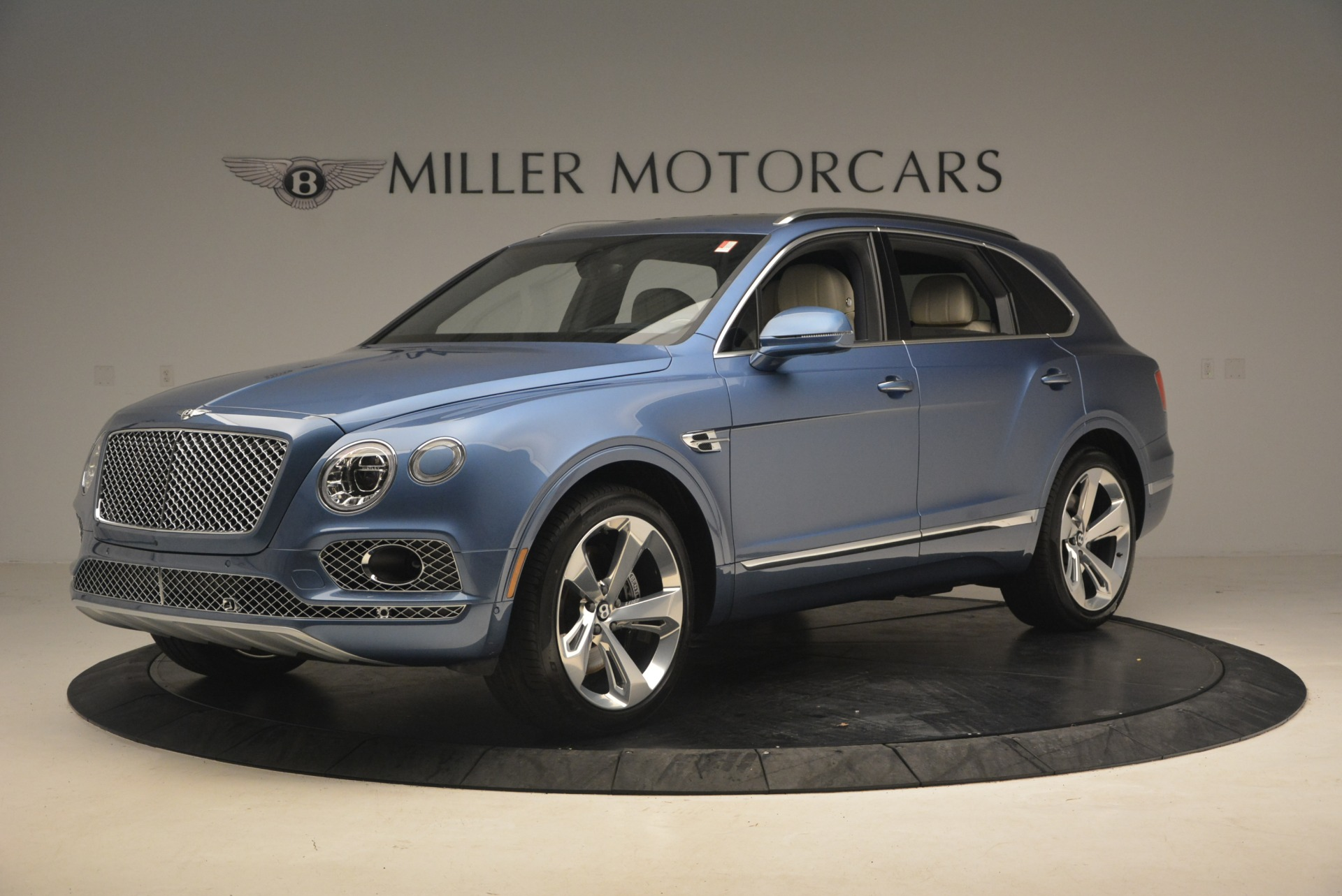 New 2018 Bentley Bentayga  For Sale In Greenwich, CT. Alfa Romeo of Greenwich, B1271 1342_p2