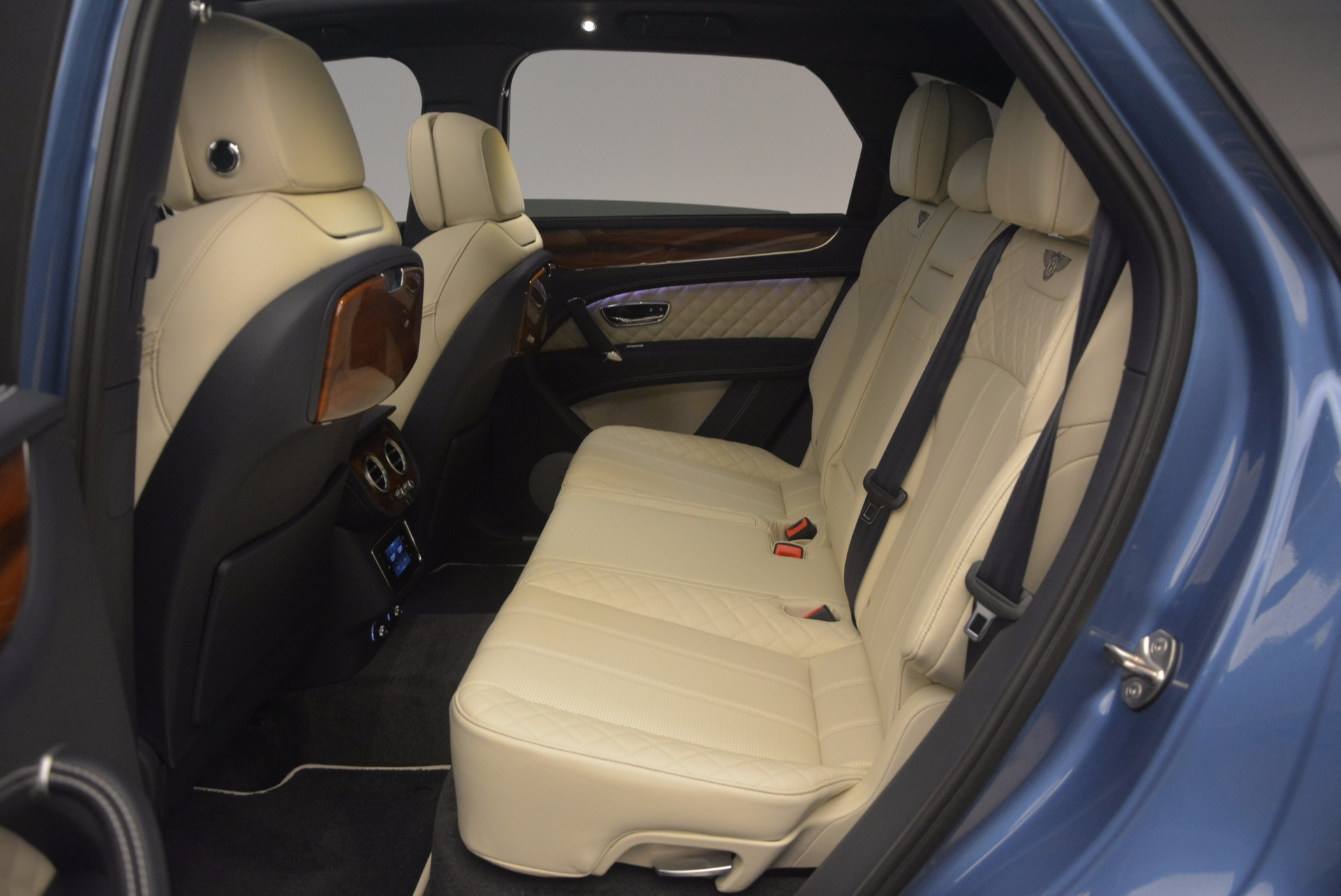 New 2018 Bentley Bentayga  For Sale In Greenwich, CT. Alfa Romeo of Greenwich, B1271 1342_p36