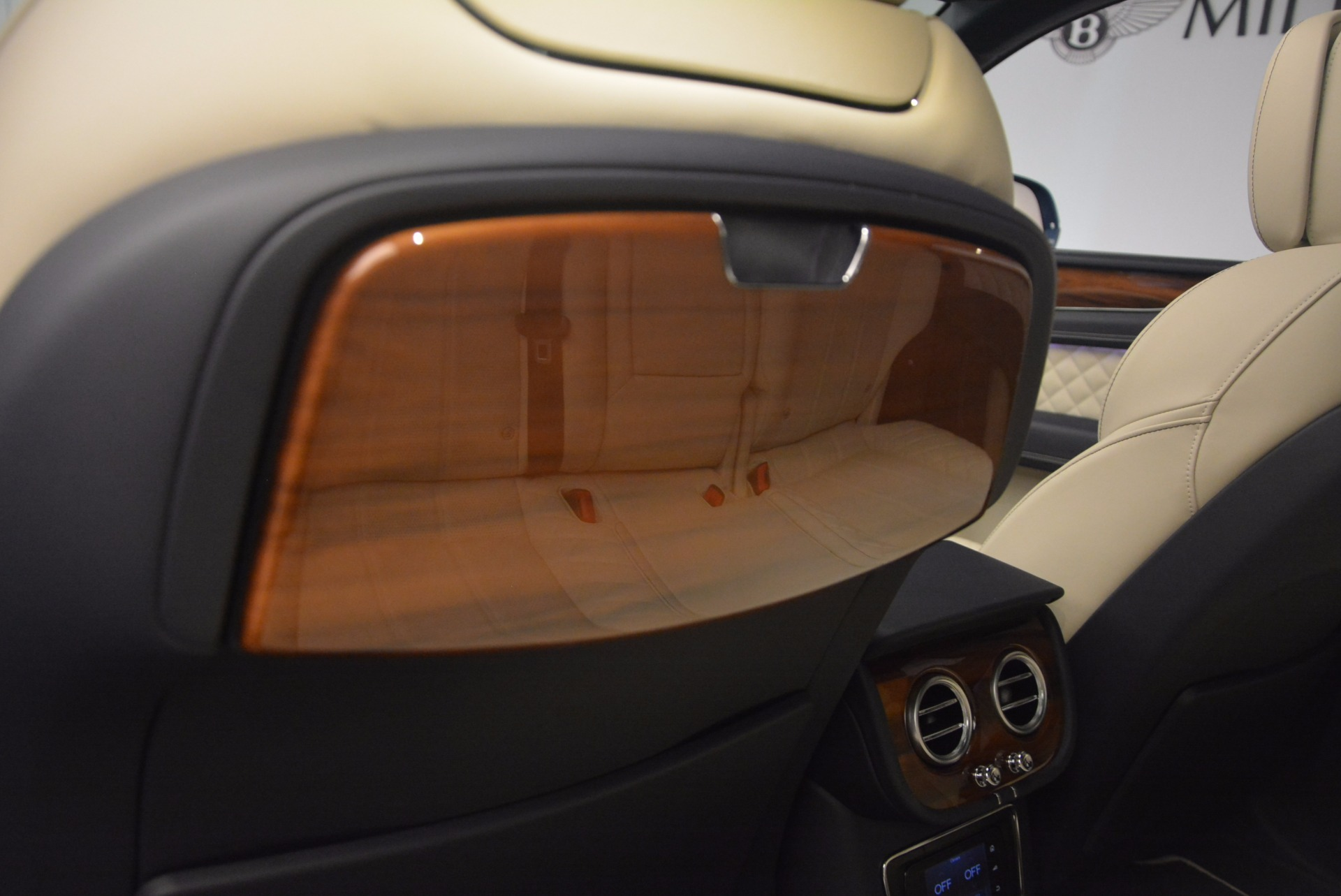 New 2018 Bentley Bentayga  For Sale In Greenwich, CT. Alfa Romeo of Greenwich, B1271 1342_p38