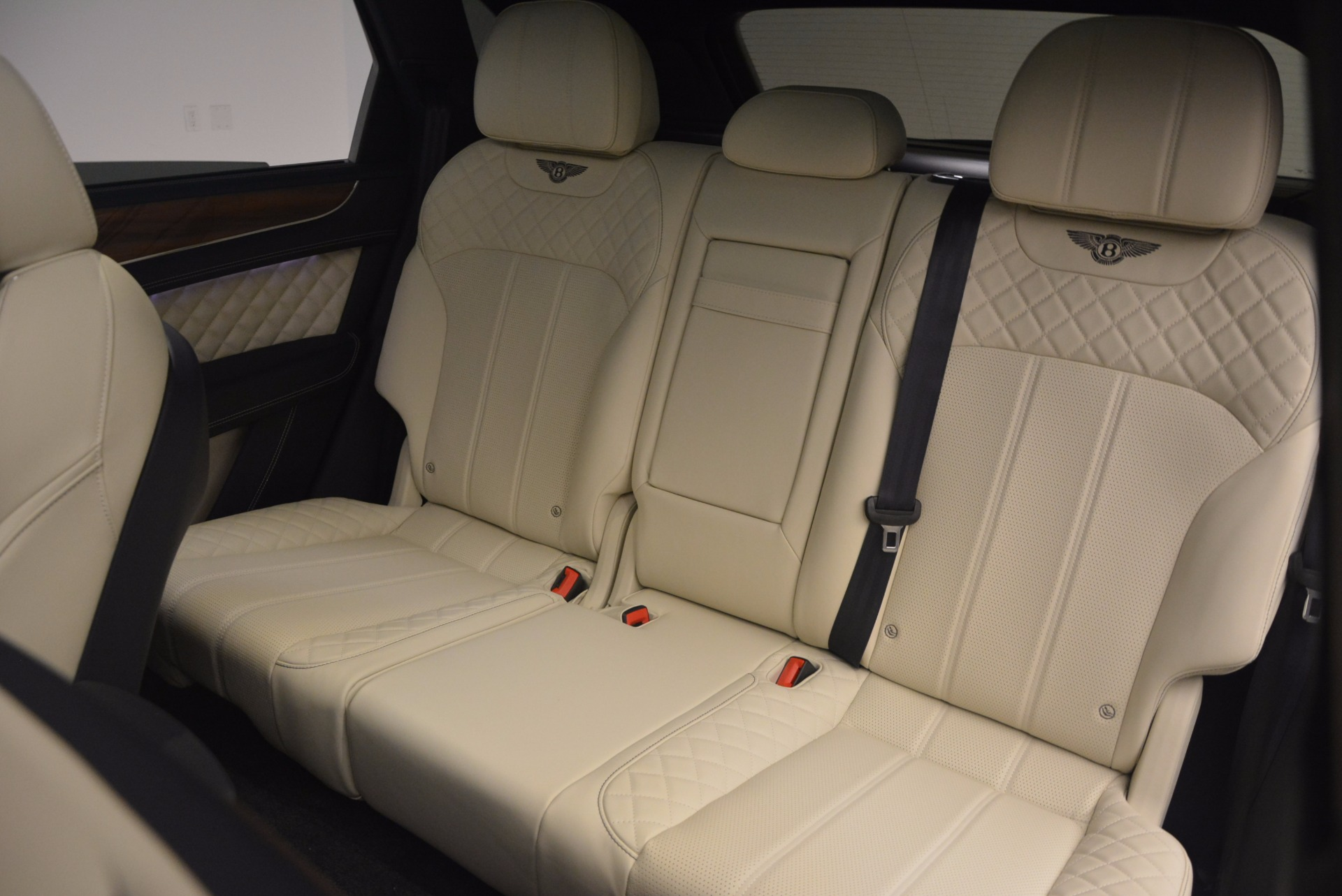 New 2018 Bentley Bentayga  For Sale In Greenwich, CT. Alfa Romeo of Greenwich, B1271 1342_p40