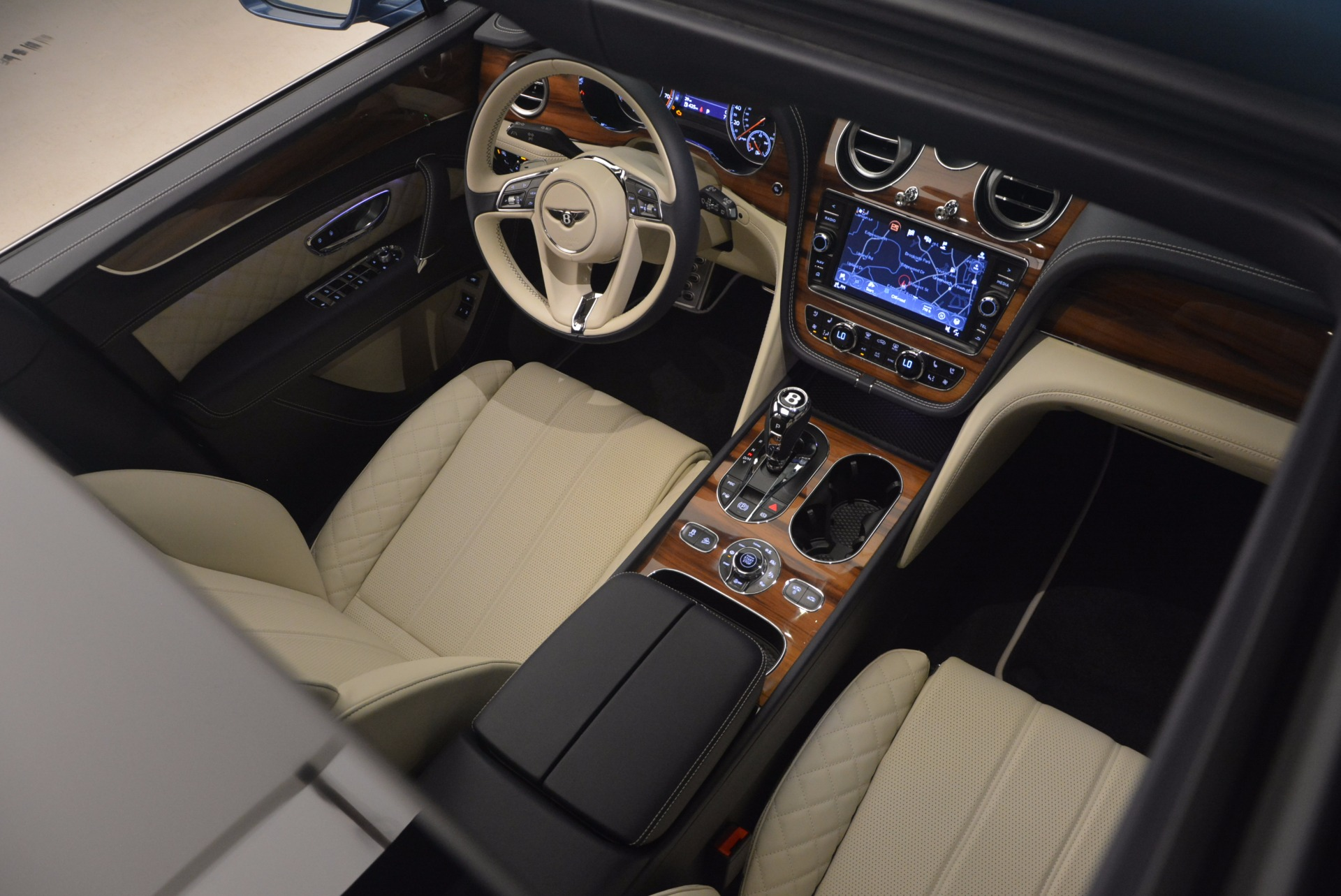 New 2018 Bentley Bentayga  For Sale In Greenwich, CT. Alfa Romeo of Greenwich, B1271 1342_p41