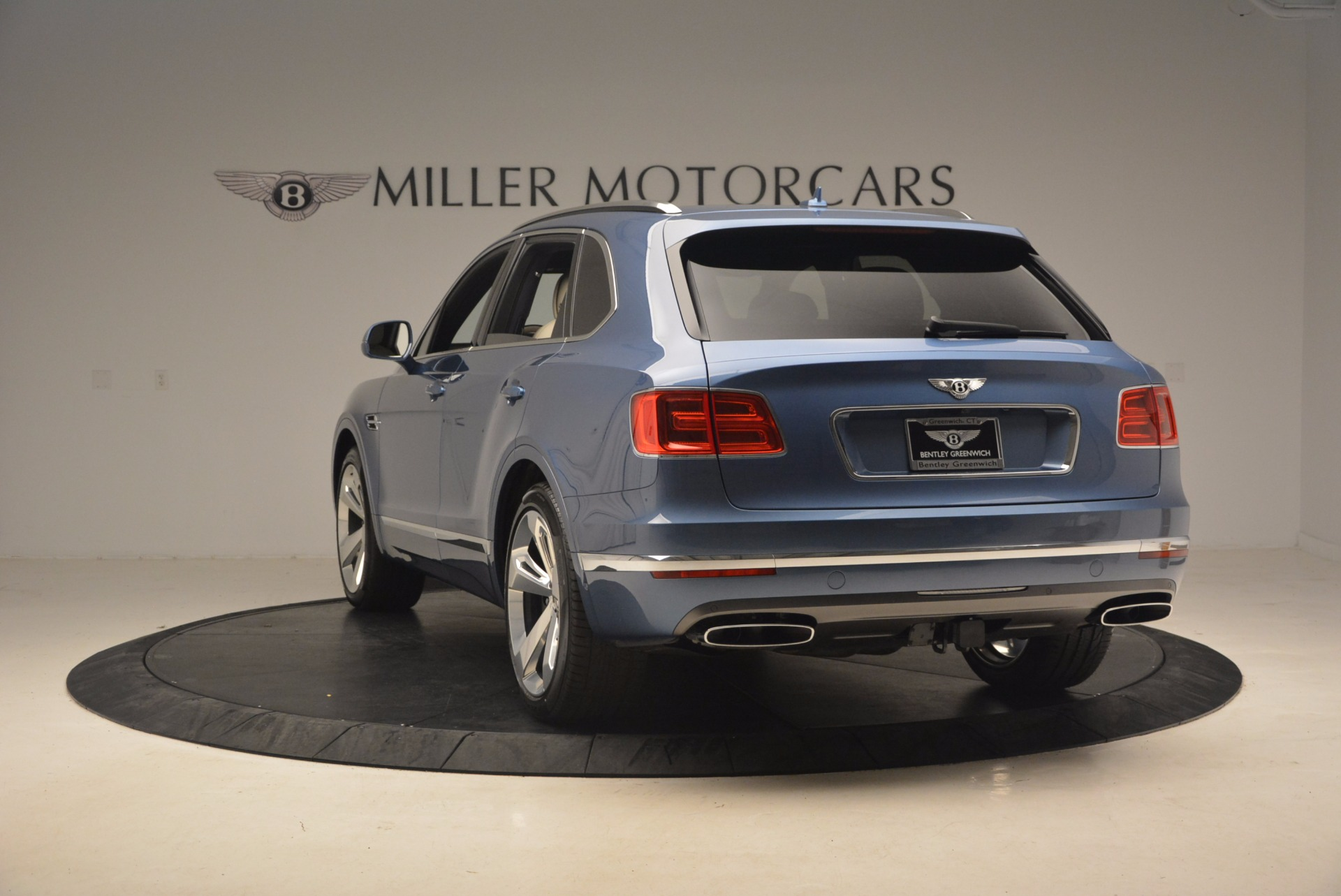 New 2018 Bentley Bentayga  For Sale In Greenwich, CT. Alfa Romeo of Greenwich, B1271 1342_p5