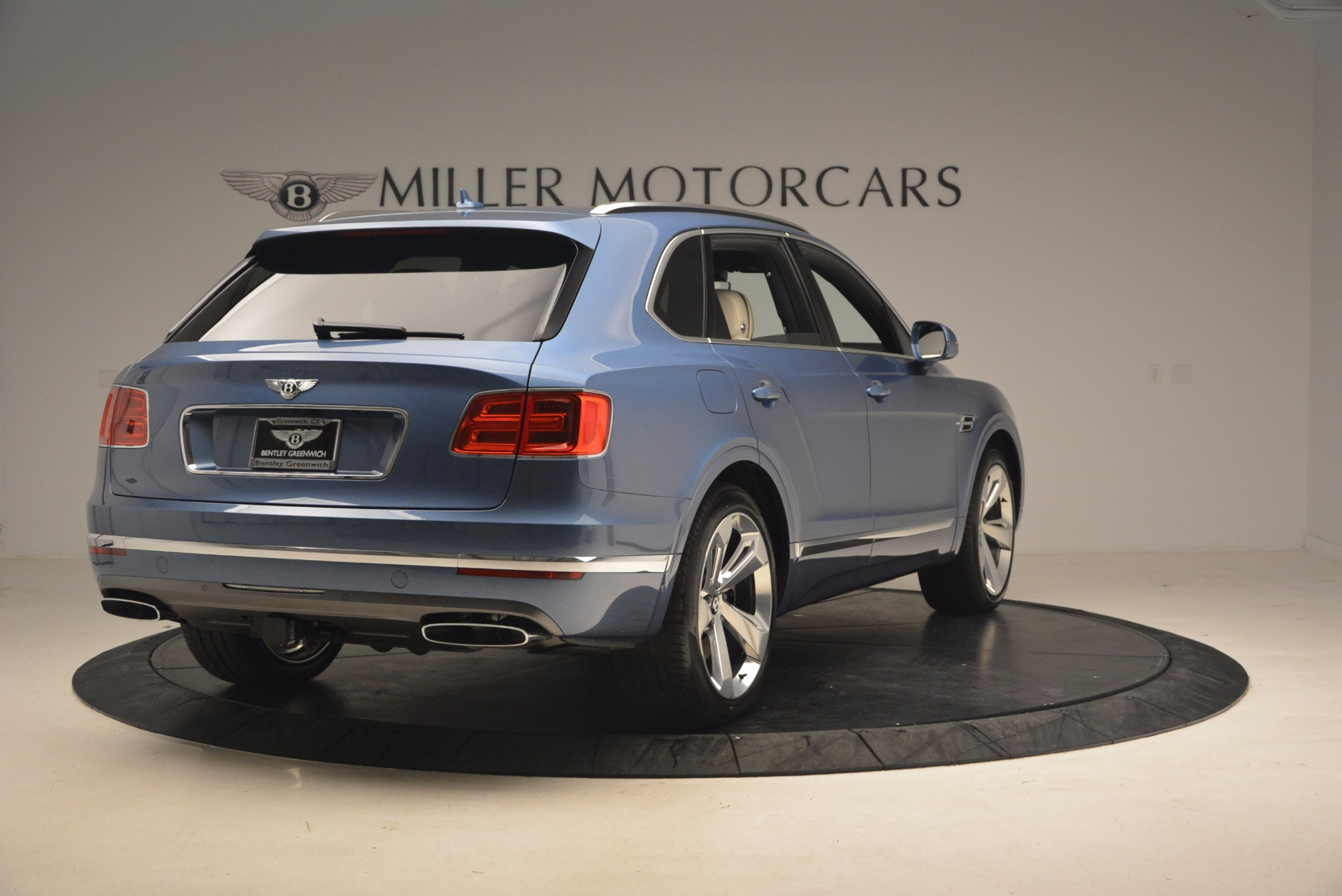 New 2018 Bentley Bentayga  For Sale In Greenwich, CT. Alfa Romeo of Greenwich, B1271 1342_p7