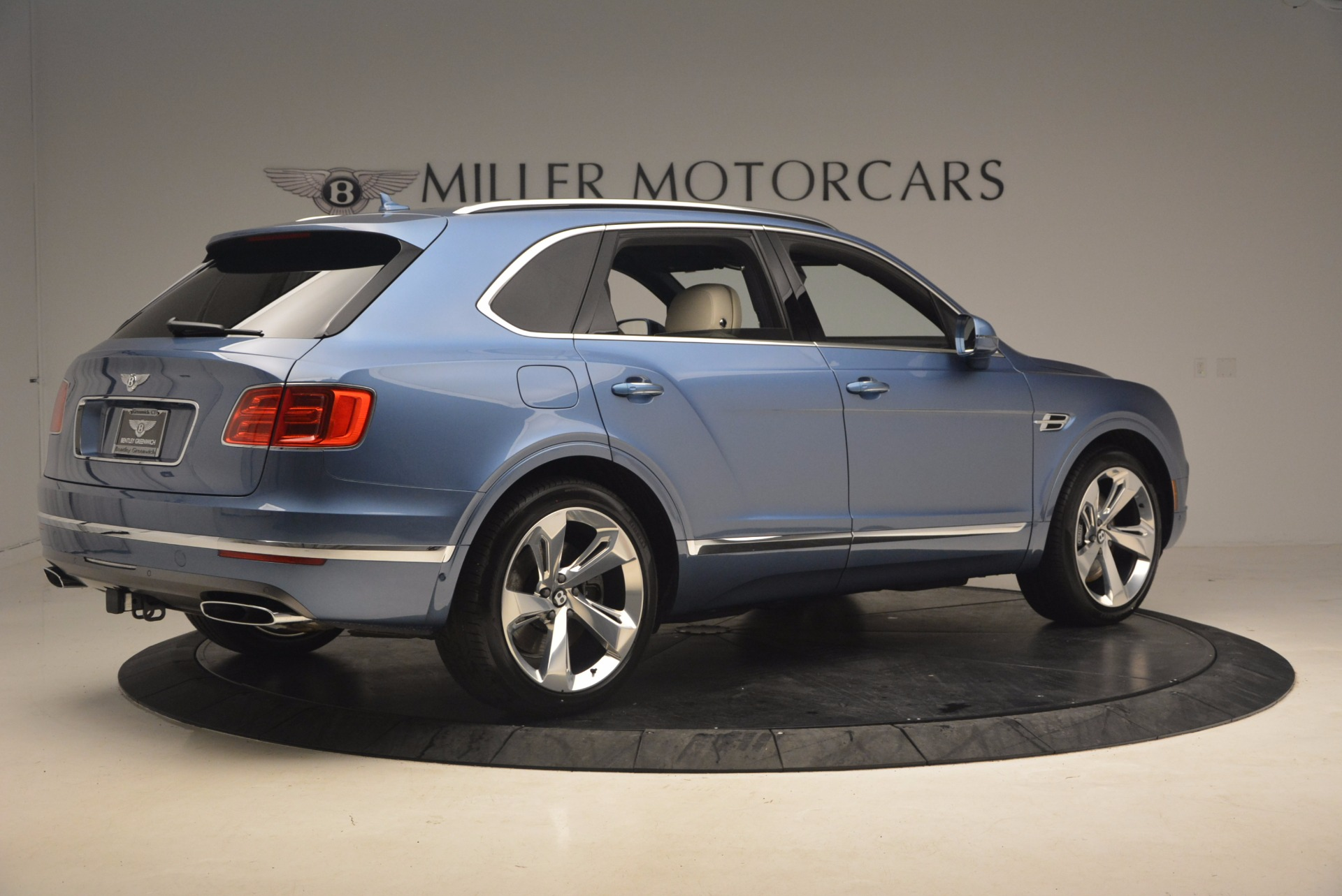 New 2018 Bentley Bentayga  For Sale In Greenwich, CT. Alfa Romeo of Greenwich, B1271 1342_p8
