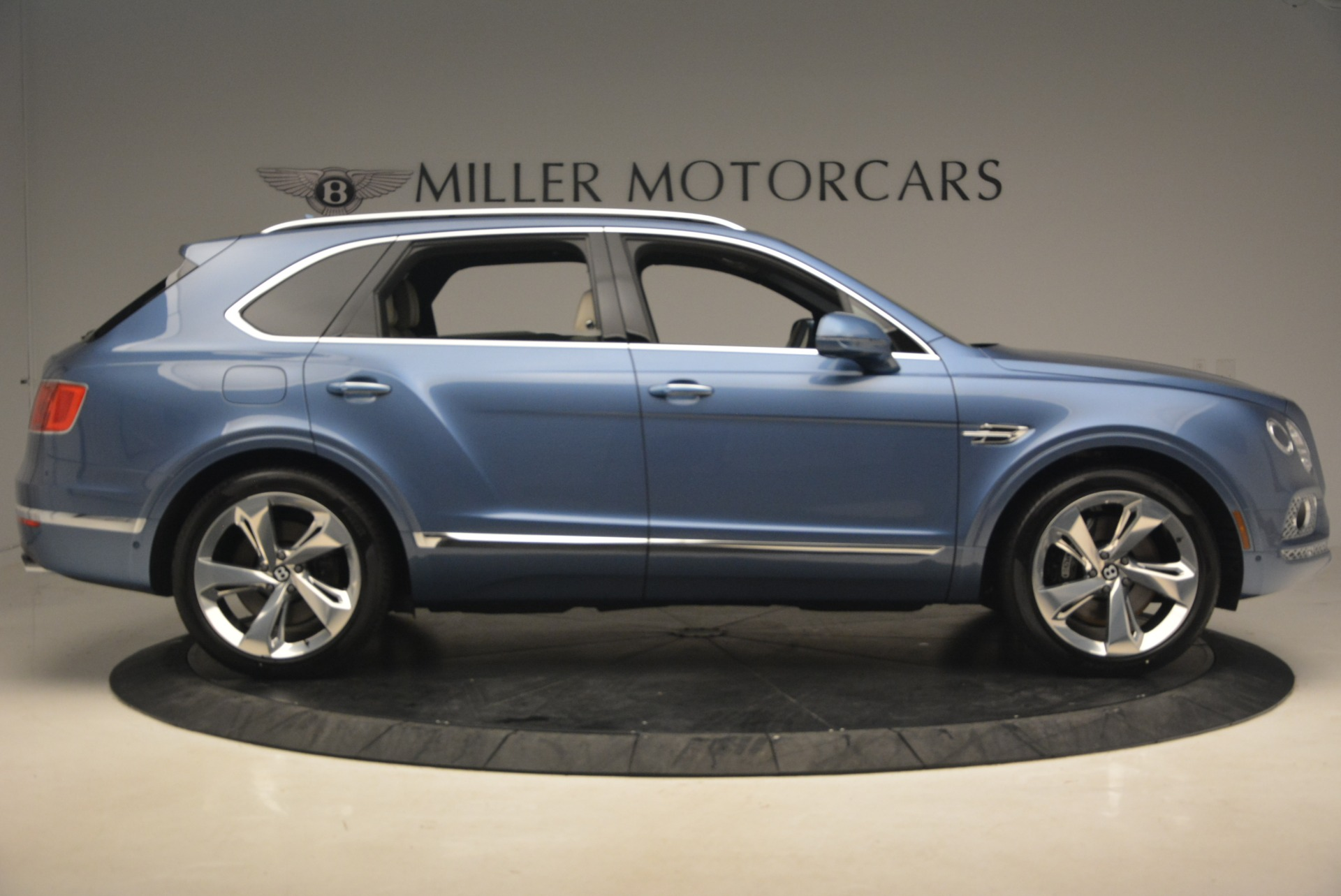 New 2018 Bentley Bentayga  For Sale In Greenwich, CT. Alfa Romeo of Greenwich, B1271 1342_p9