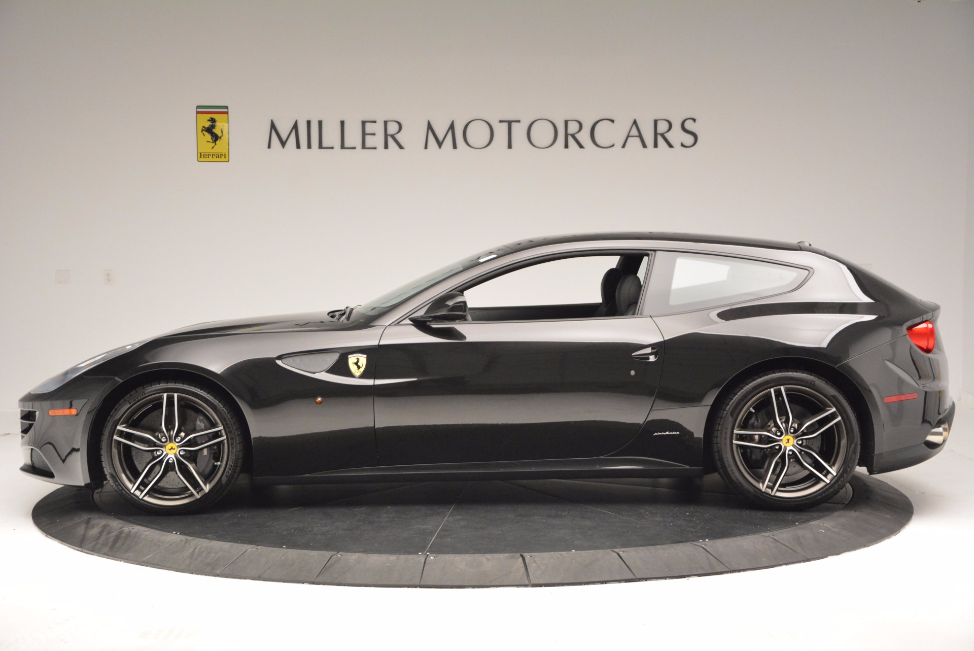 Used 2015 Ferrari FF  For Sale In Greenwich, CT. Alfa Romeo of Greenwich, 4399 1343_p3