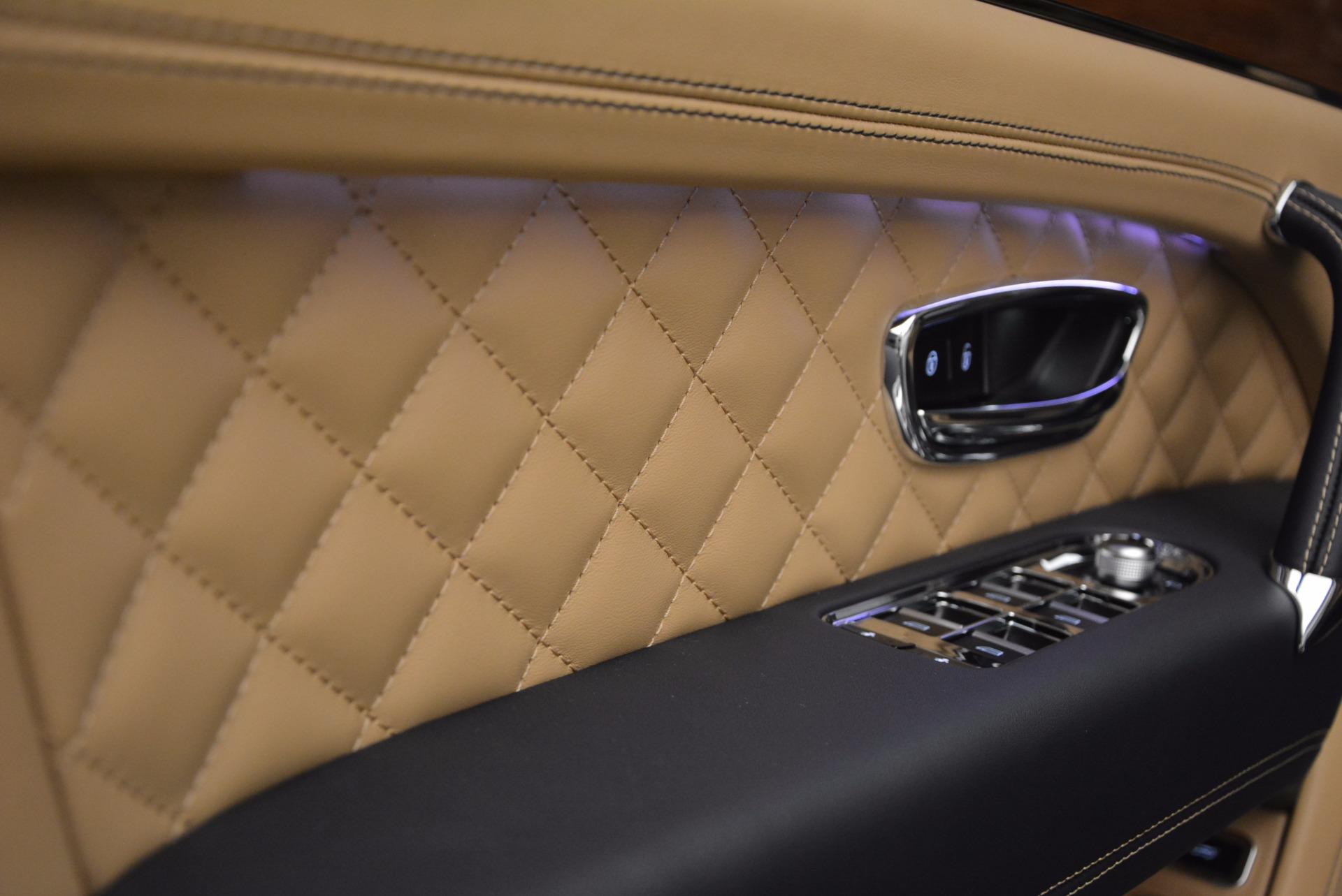 New 2018 Bentley Bentayga W12 Signature For Sale In Greenwich, CT. Alfa Romeo of Greenwich, B1275 1358_p18