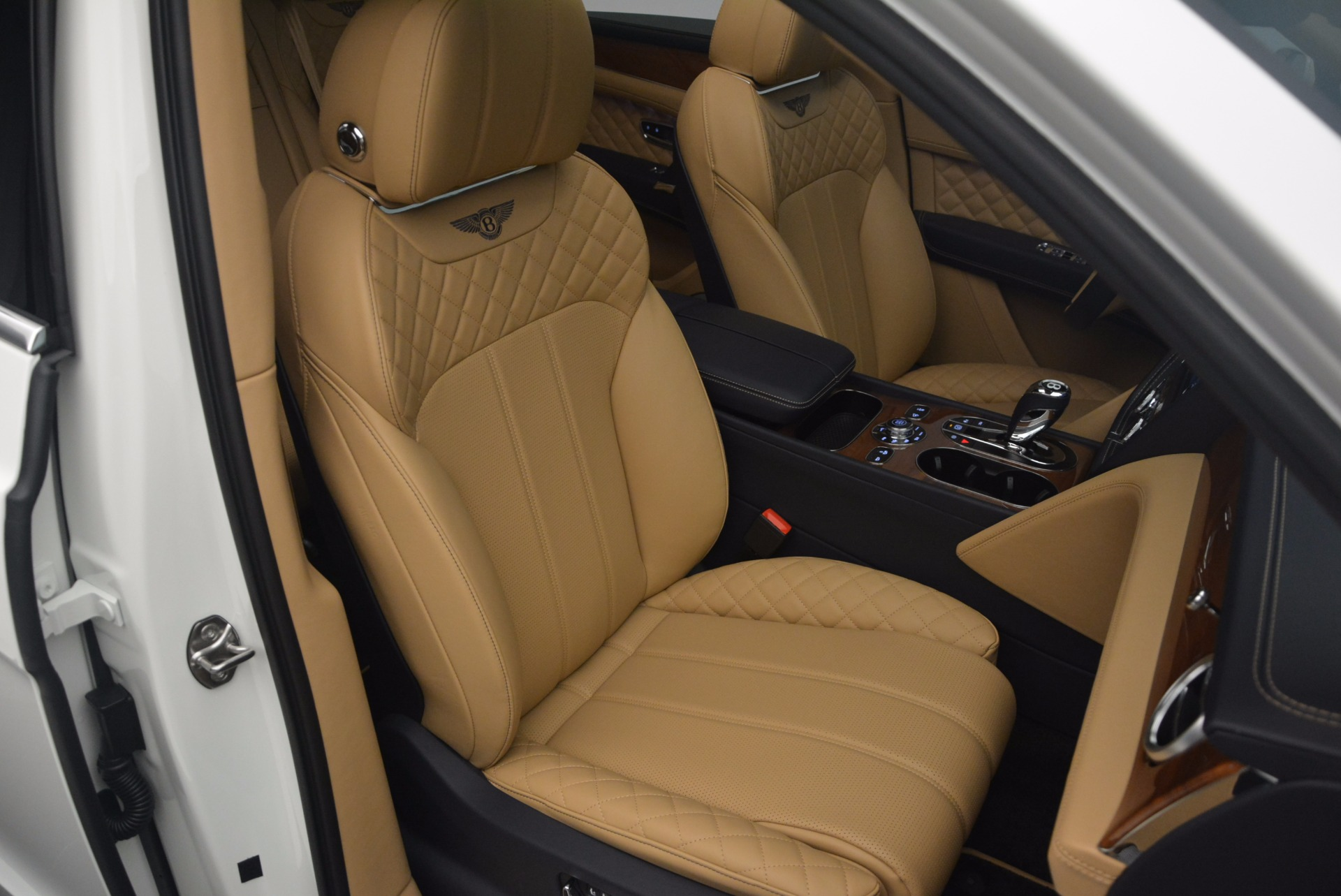 New 2018 Bentley Bentayga W12 Signature For Sale In Greenwich, CT. Alfa Romeo of Greenwich, B1275 1358_p26