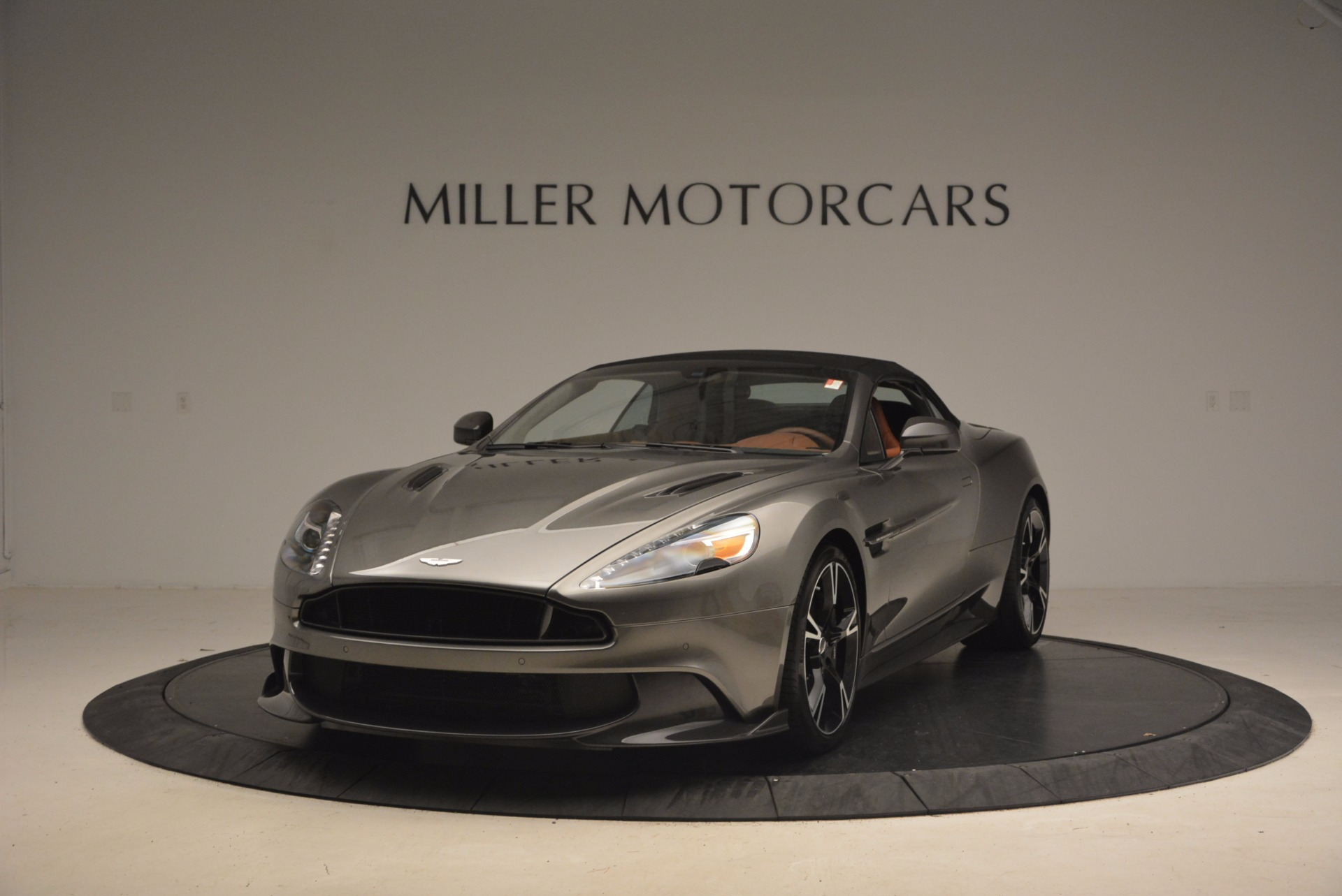 Used 2018 Aston Martin Vanquish S Convertible For Sale In Greenwich, CT. Alfa Romeo of Greenwich, A1246B 1362_p13
