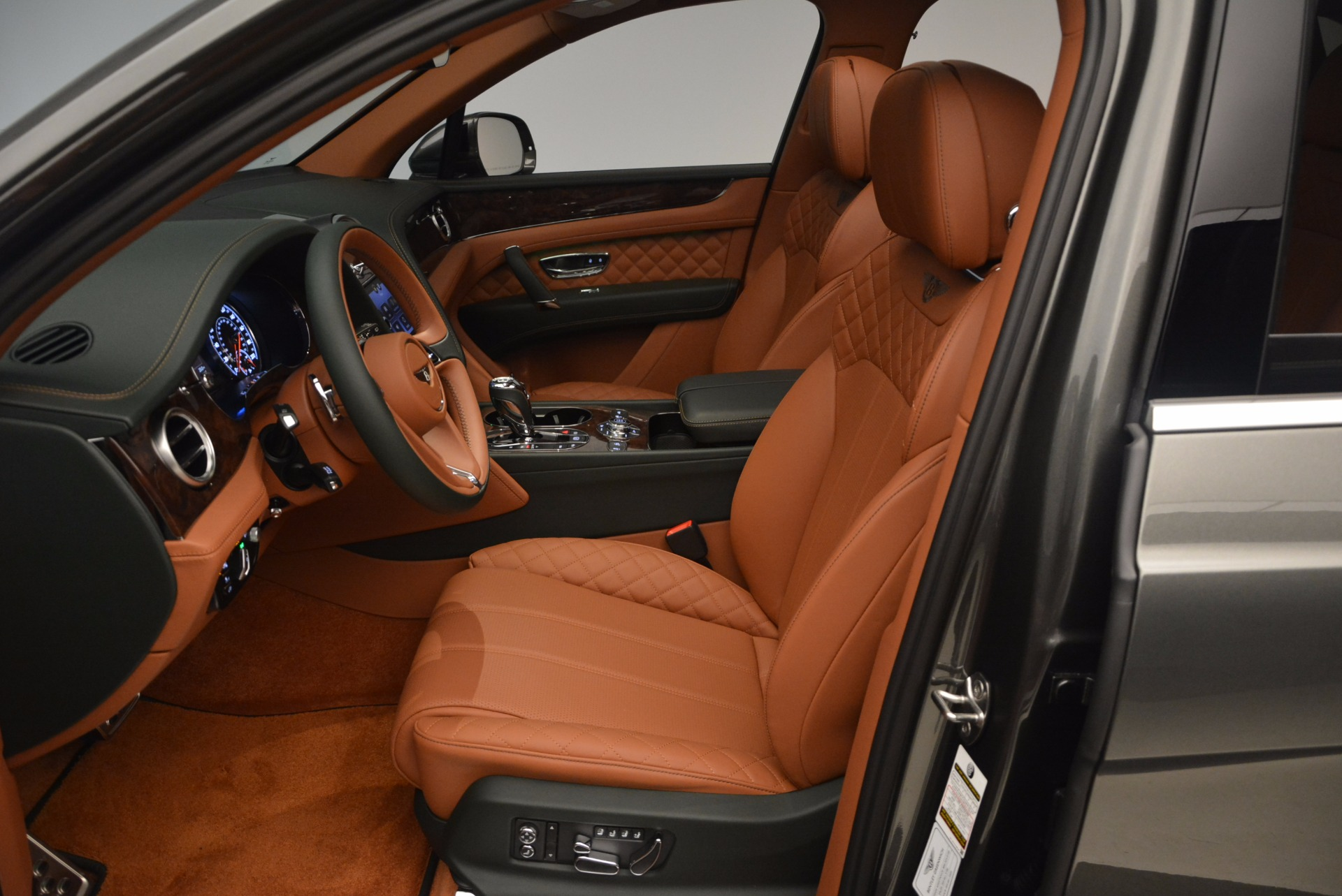 New 2018 Bentley Bentayga  For Sale In Greenwich, CT. Alfa Romeo of Greenwich, B1274 1363_p26