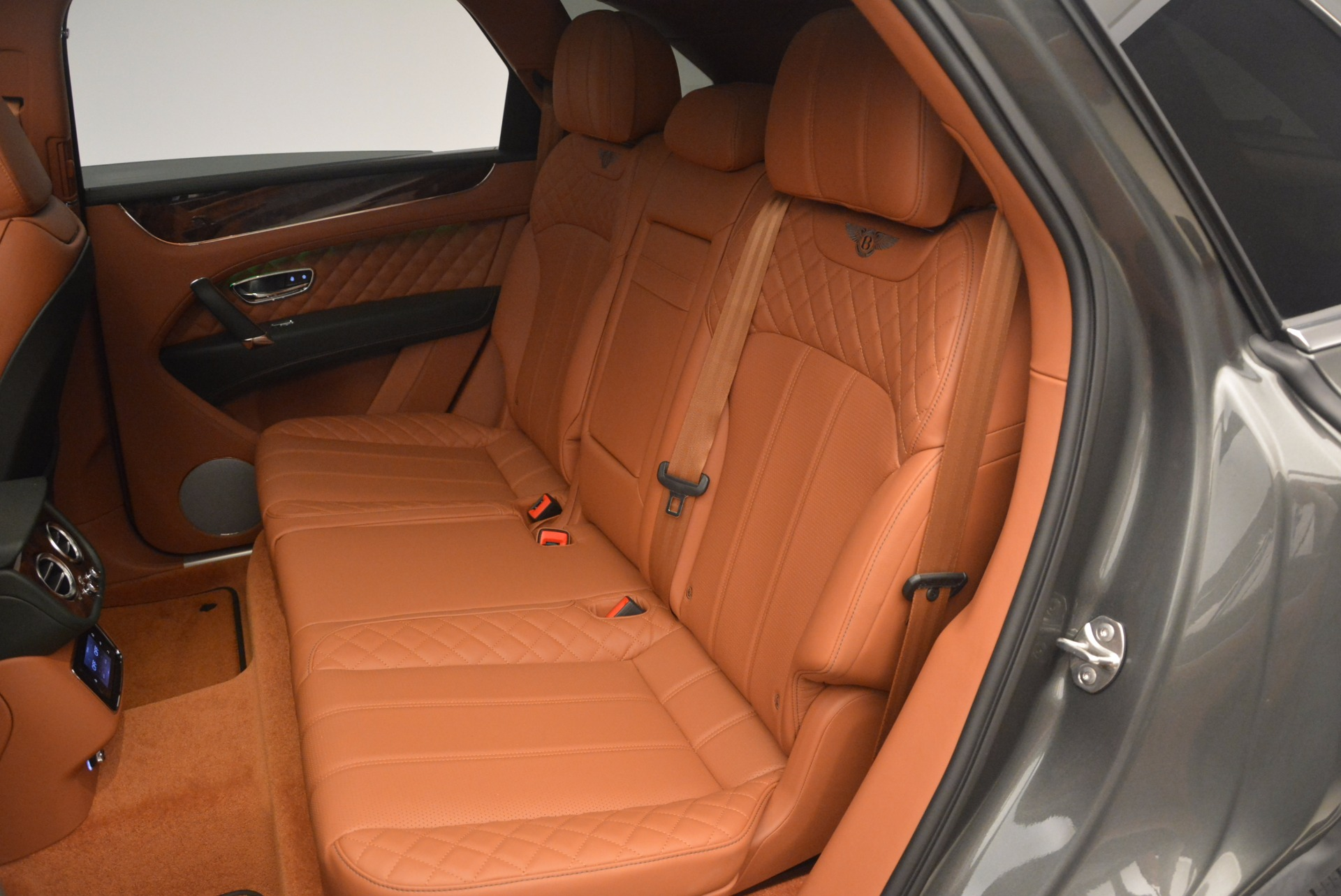 New 2018 Bentley Bentayga  For Sale In Greenwich, CT. Alfa Romeo of Greenwich, B1274 1363_p34
