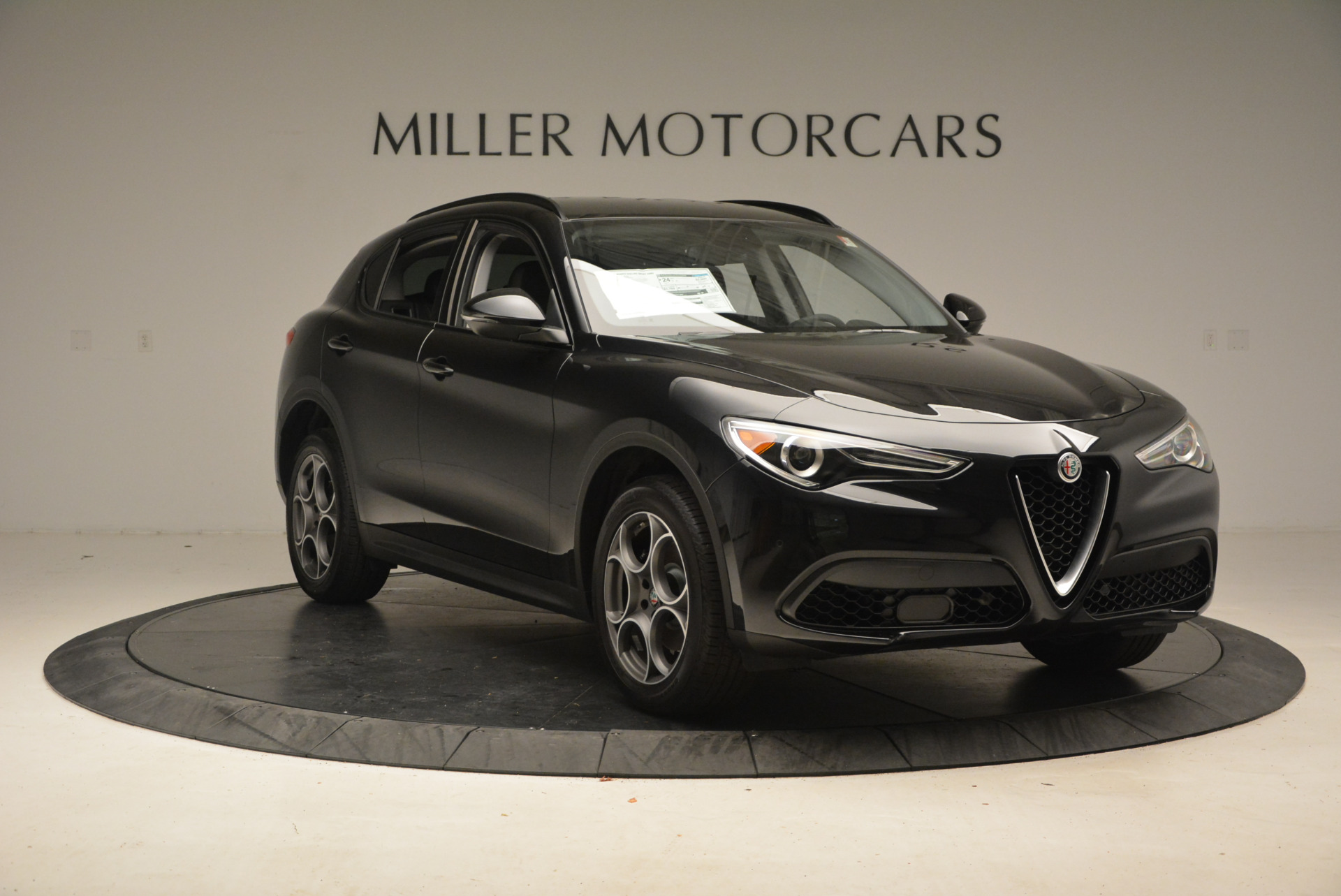 New 2018 Alfa Romeo Stelvio Sport Q4 For Sale In Greenwich, CT. Alfa Romeo of Greenwich, L169 1367_p11