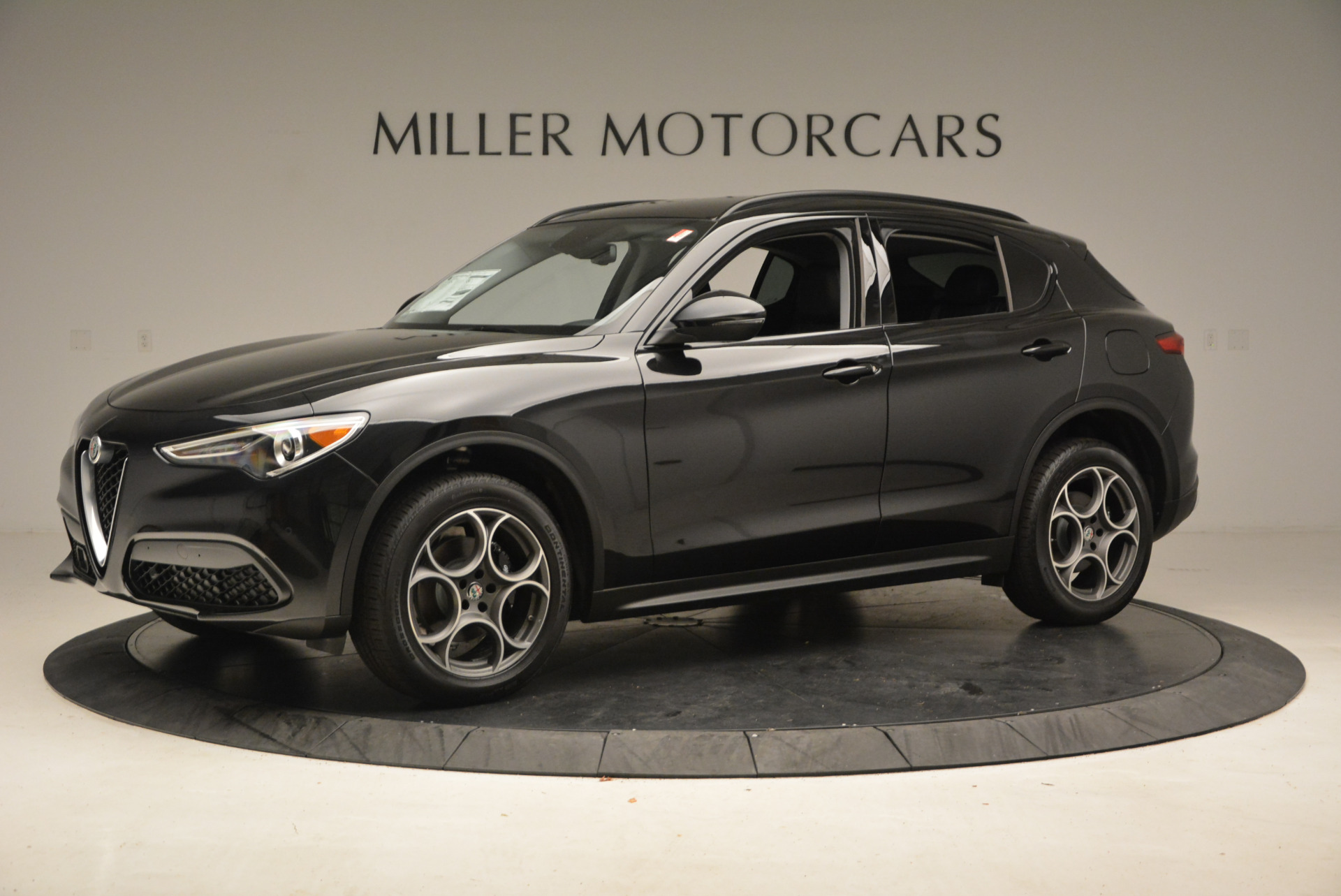 New 2018 Alfa Romeo Stelvio Sport Q4 For Sale In Greenwich, CT. Alfa Romeo of Greenwich, L169 1367_p2