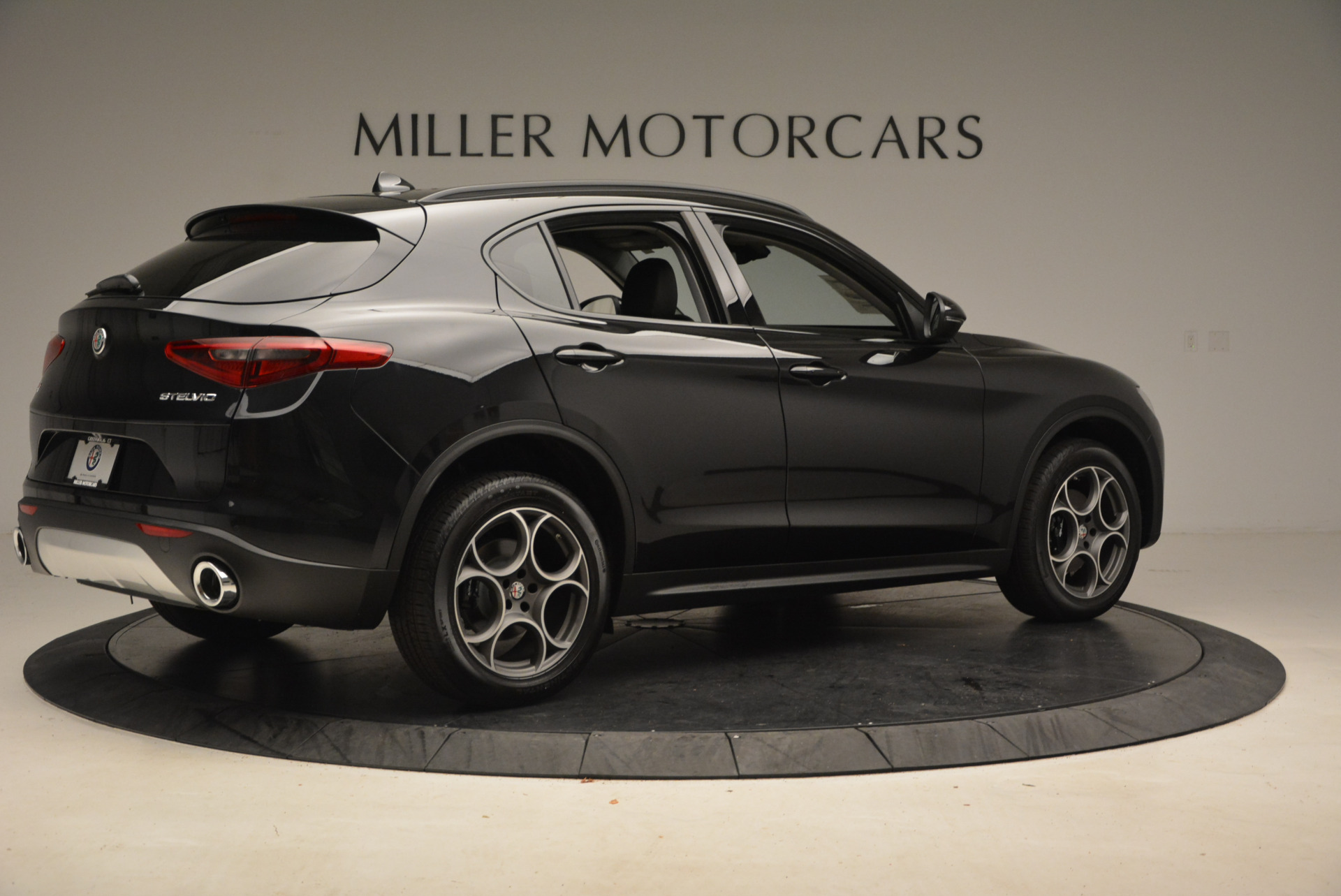 New 2018 Alfa Romeo Stelvio Sport Q4 For Sale In Greenwich, CT. Alfa Romeo of Greenwich, L169 1367_p8