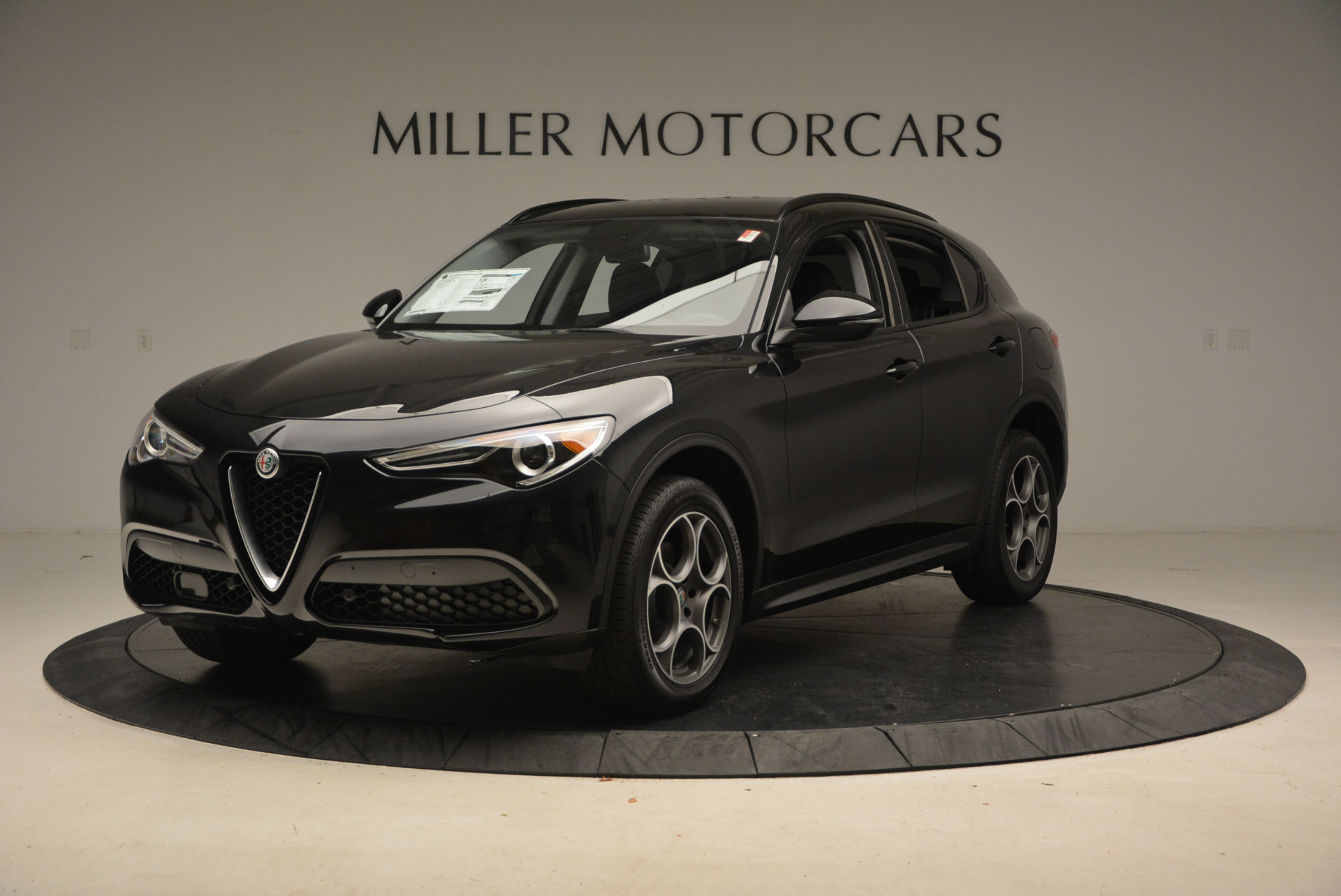 New 2018 Alfa Romeo Stelvio Sport Q4 For Sale In Greenwich, CT. Alfa Romeo of Greenwich, LW004 1369_main