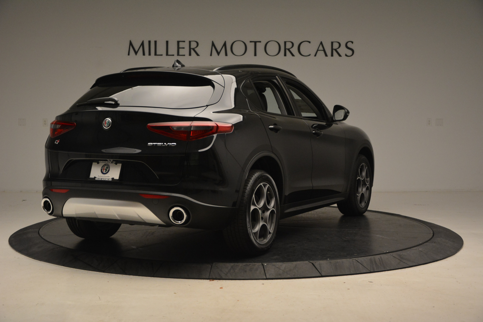 New 2018 Alfa Romeo Stelvio Sport Q4 For Sale In Greenwich, CT. Alfa Romeo of Greenwich, LW004 1369_p7