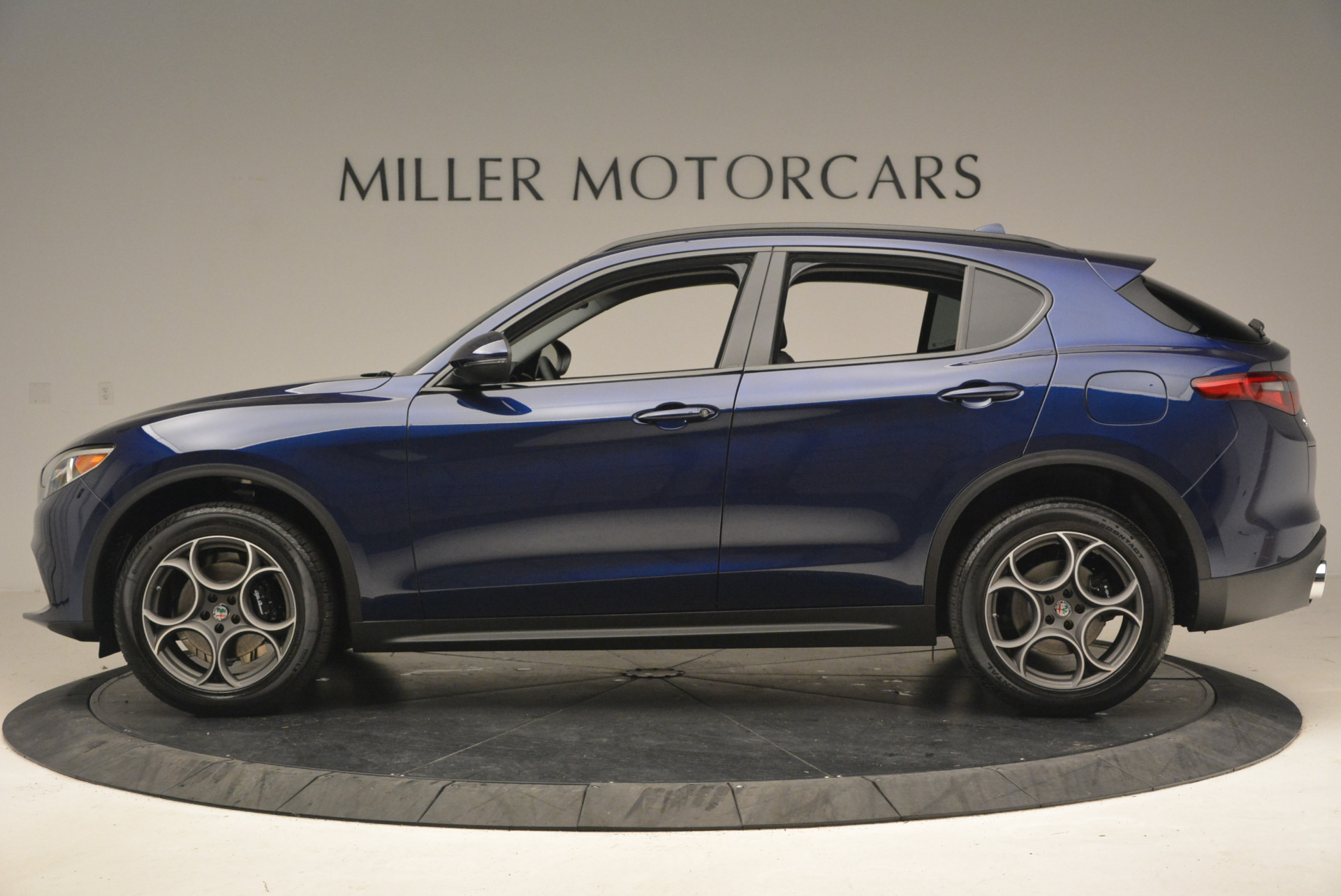 New 2018 Alfa Romeo Stelvio Sport Q4 For Sale In Greenwich, CT. Alfa Romeo of Greenwich, LW005 1375_p3