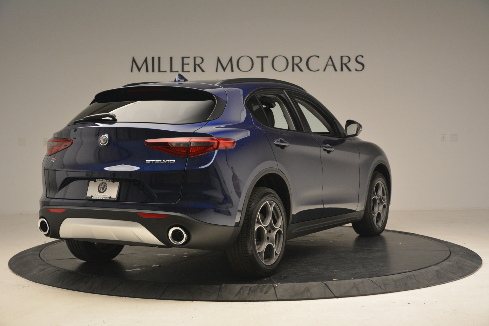 New 2018 Alfa Romeo Stelvio Sport Q4 For Sale In Greenwich, CT. Alfa Romeo of Greenwich, LW005 1375_p8