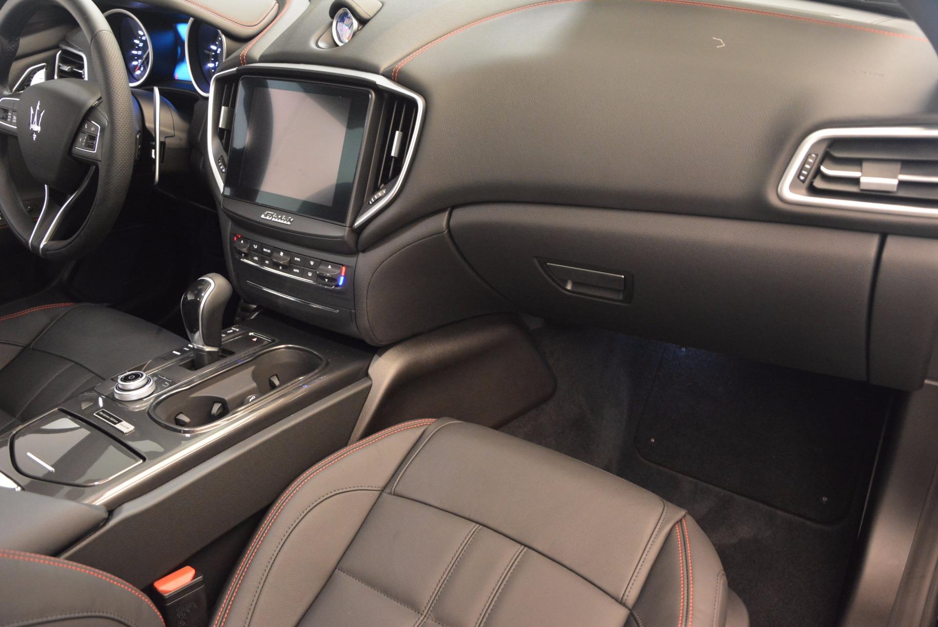 New 2017 Maserati Ghibli Nerissimo Edition S Q4 For Sale In Greenwich, CT. Alfa Romeo of Greenwich, W478 1391_p19