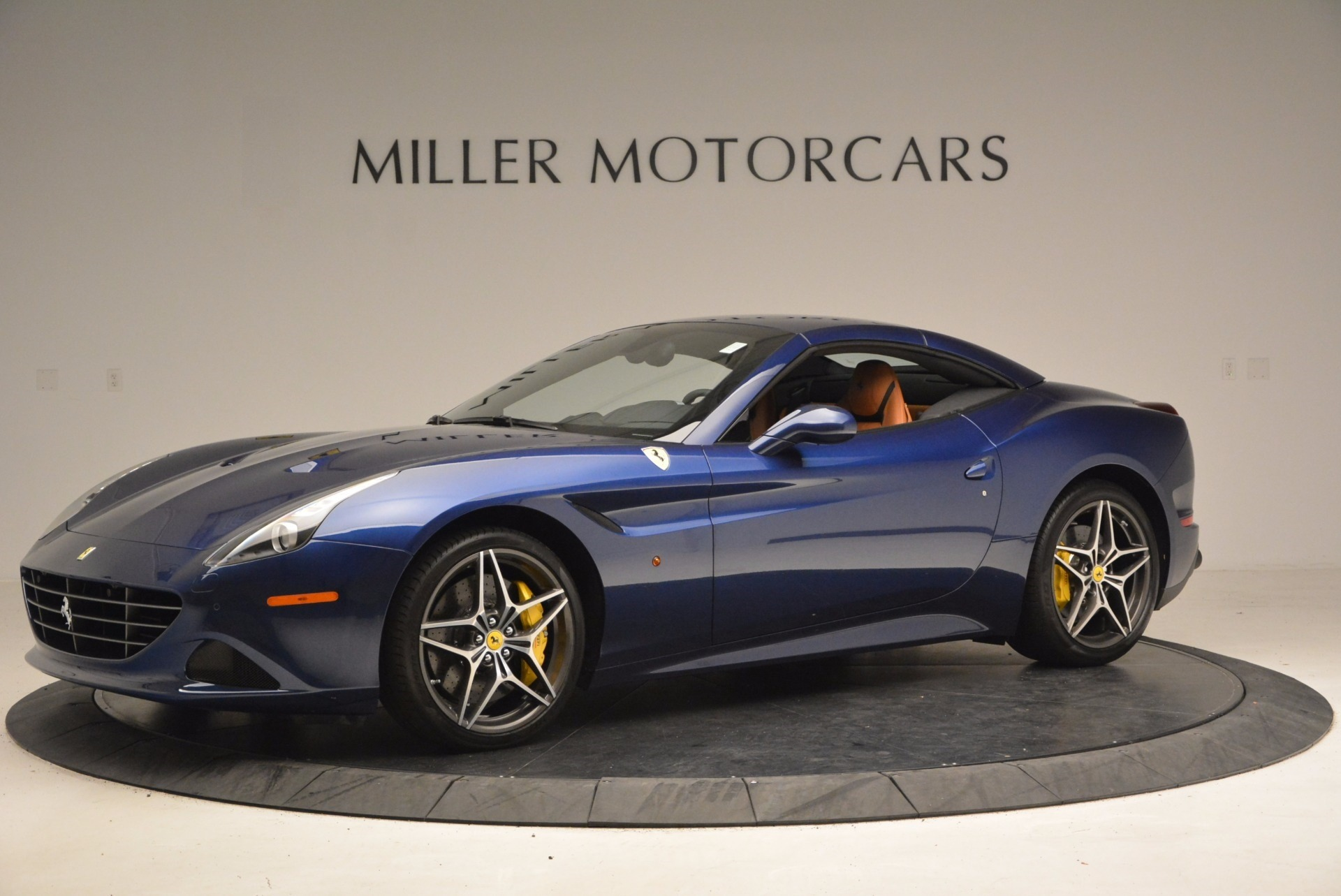 Used 2017 Ferrari California T Handling Speciale For Sale In Greenwich, CT. Alfa Romeo of Greenwich, F1809B 1394_p14