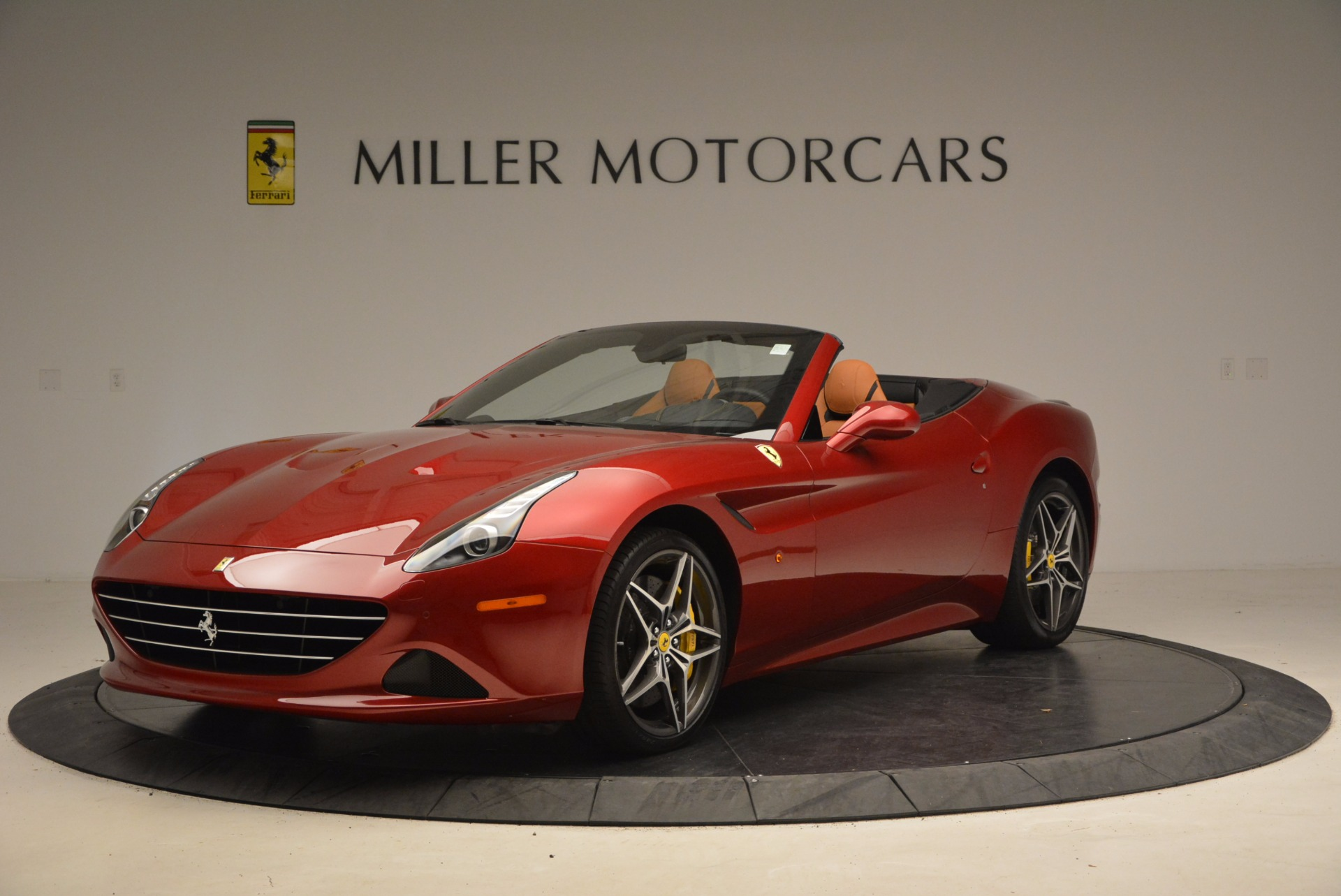 Used 2017 Ferrari California T  For Sale In Greenwich, CT. Alfa Romeo of Greenwich, F1794B