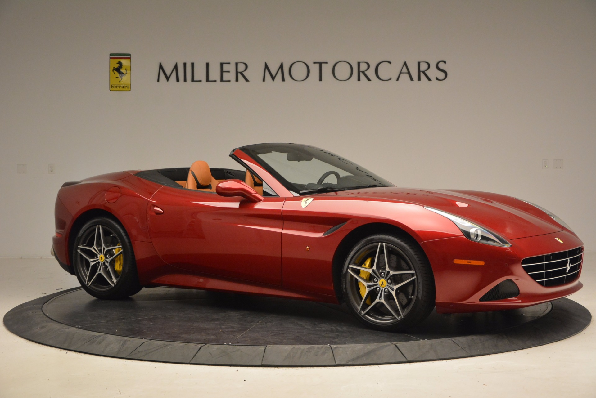 Used 2017 Ferrari California T  For Sale In Greenwich, CT. Alfa Romeo of Greenwich, F1794B 1395_p10