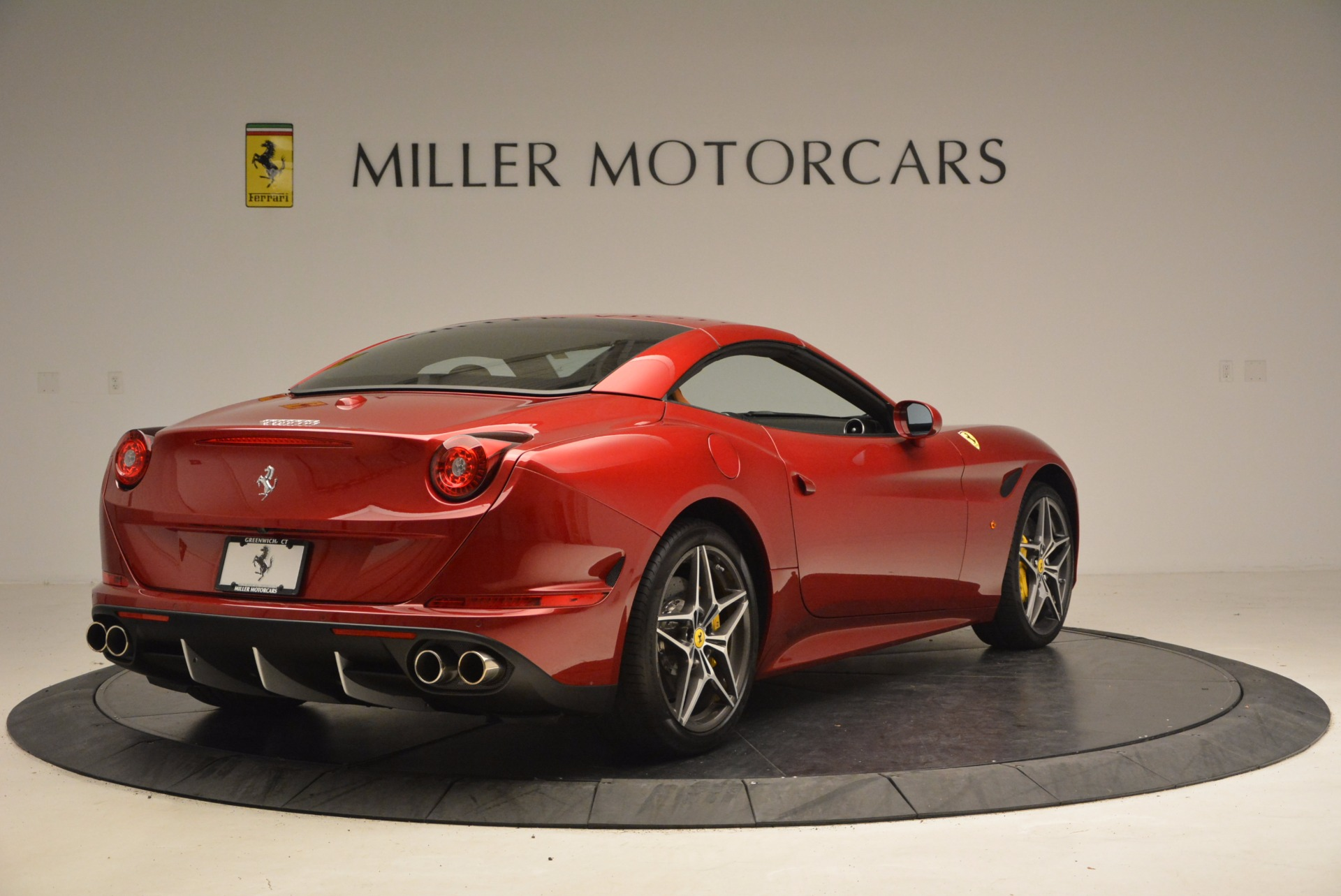 Used 2017 Ferrari California T  For Sale In Greenwich, CT. Alfa Romeo of Greenwich, F1794B 1395_p19